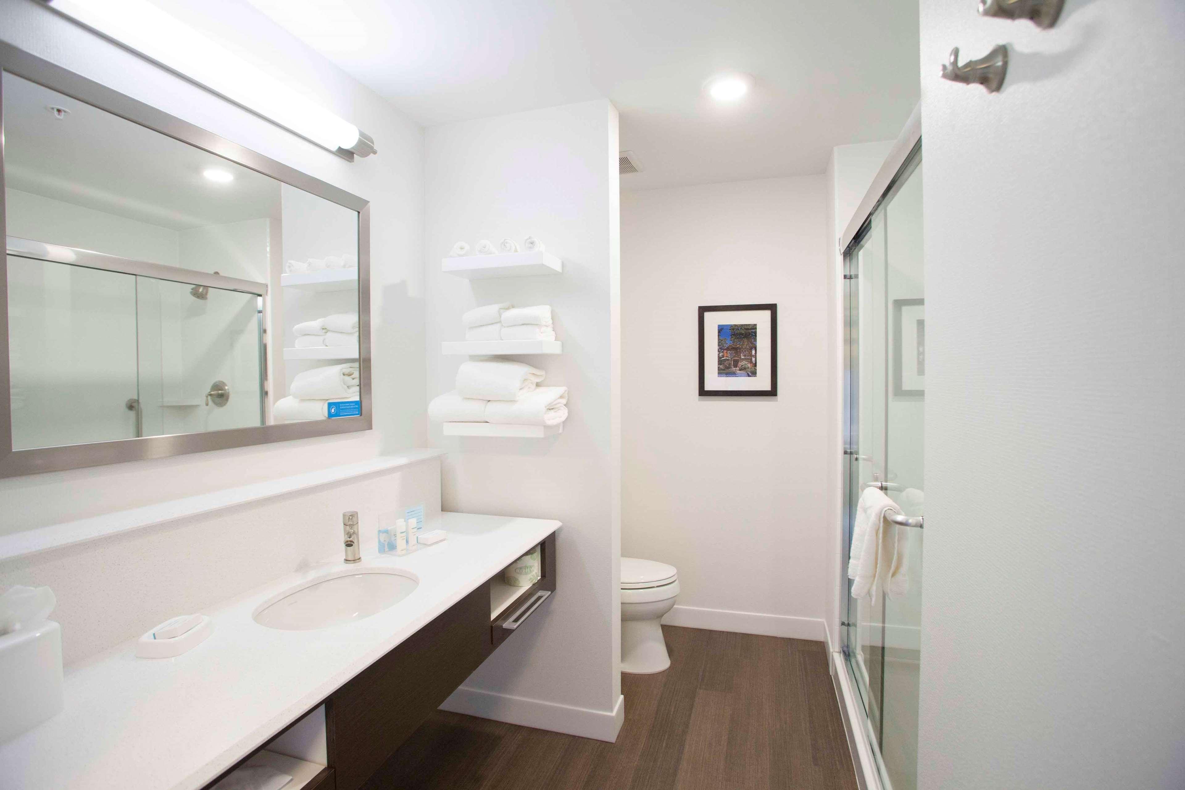 Hampton Inn & Suites Downtown St. Paul image 48