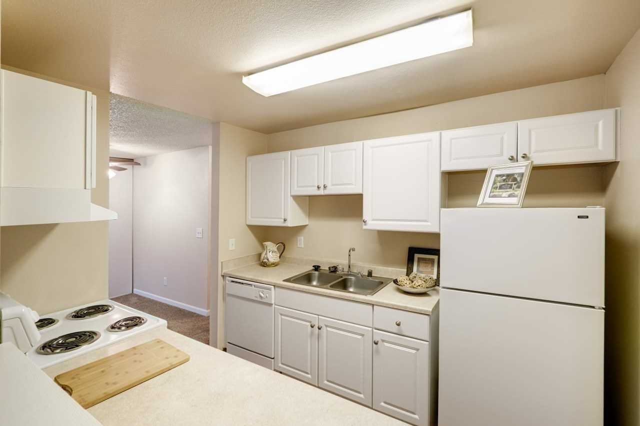 Arbor Chase Apartment Homes image 5