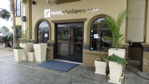 Holiday Inn Express & Suites Houston North Intercontinental image 4