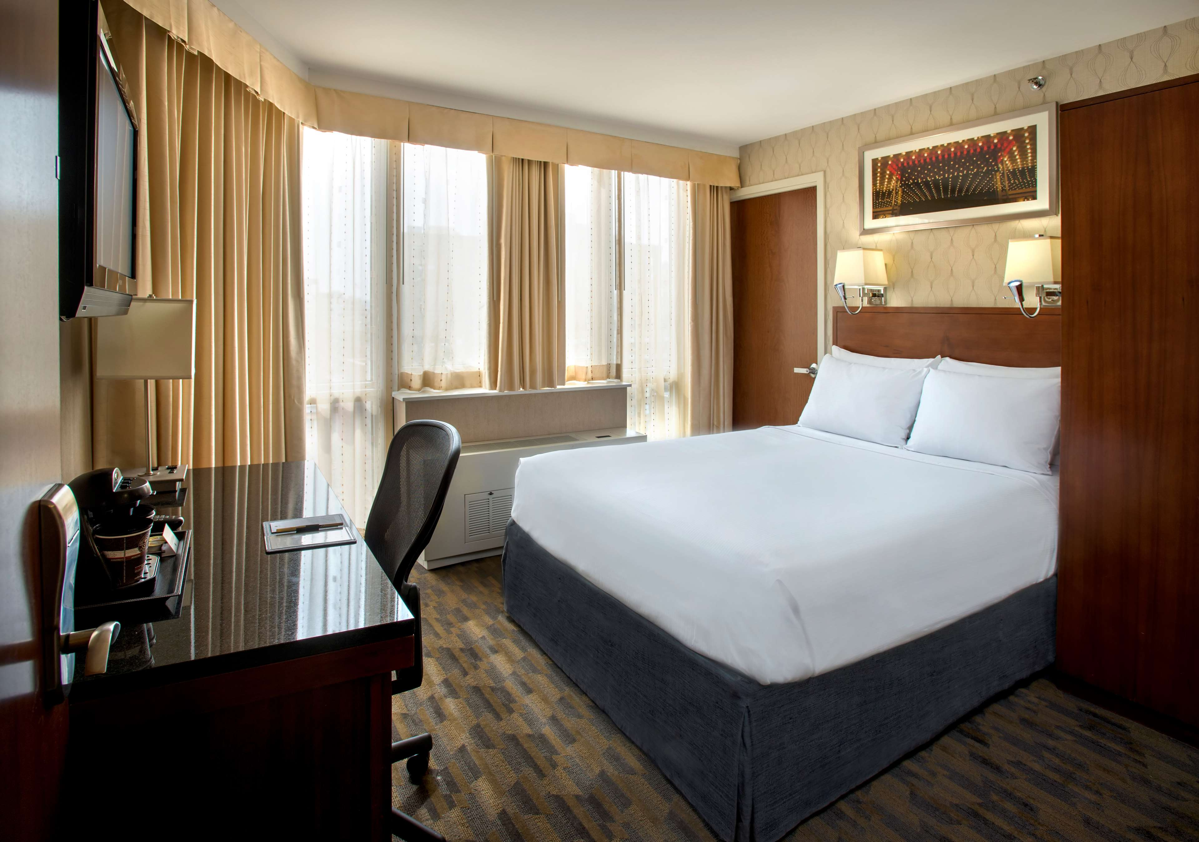DoubleTree by Hilton Hotel New York - Times Square South image 12