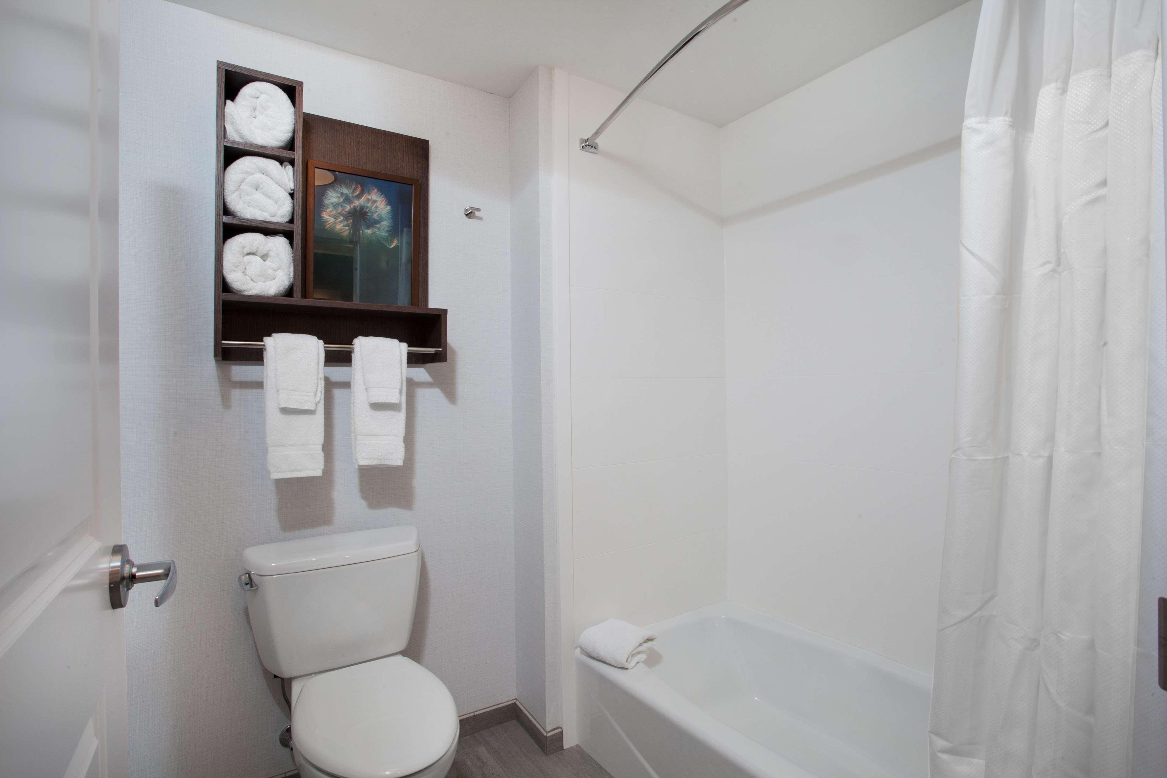 Homewood Suites by Hilton Saratoga Springs image 40