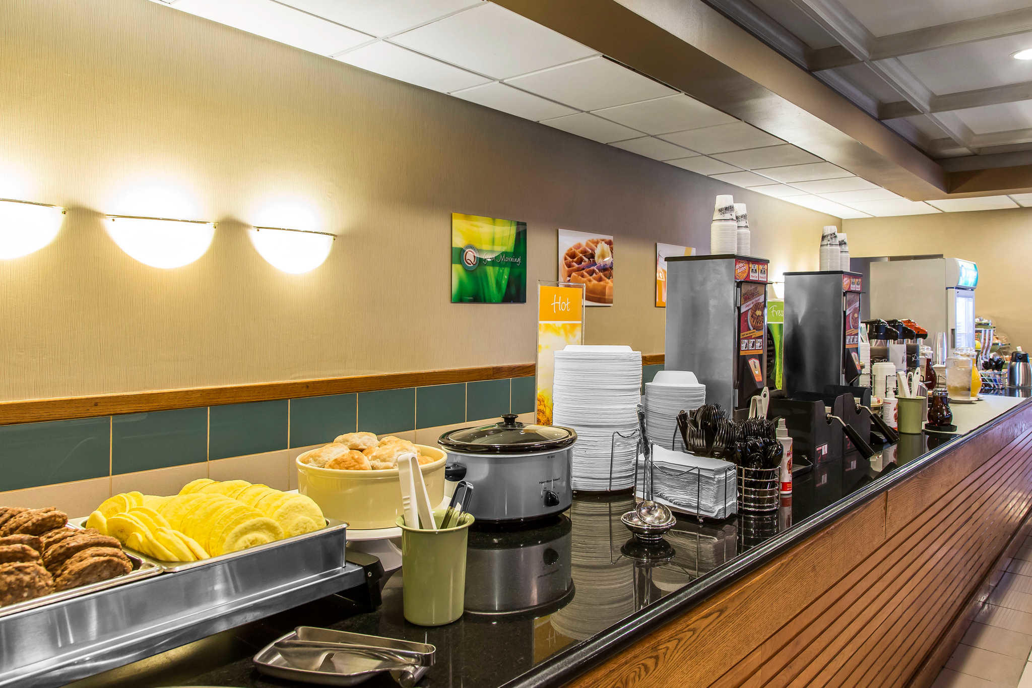 Quality Inn Midway Airport image 17