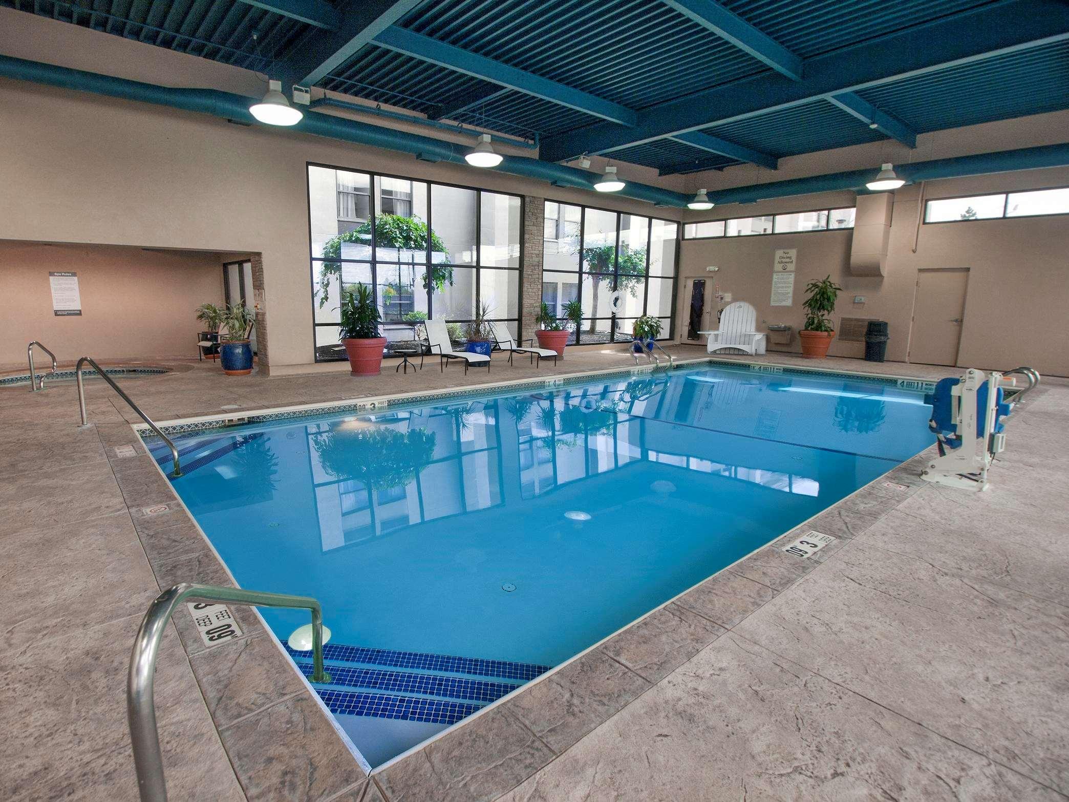 DoubleTree by Hilton Hotel Buffalo - Amherst image 14
