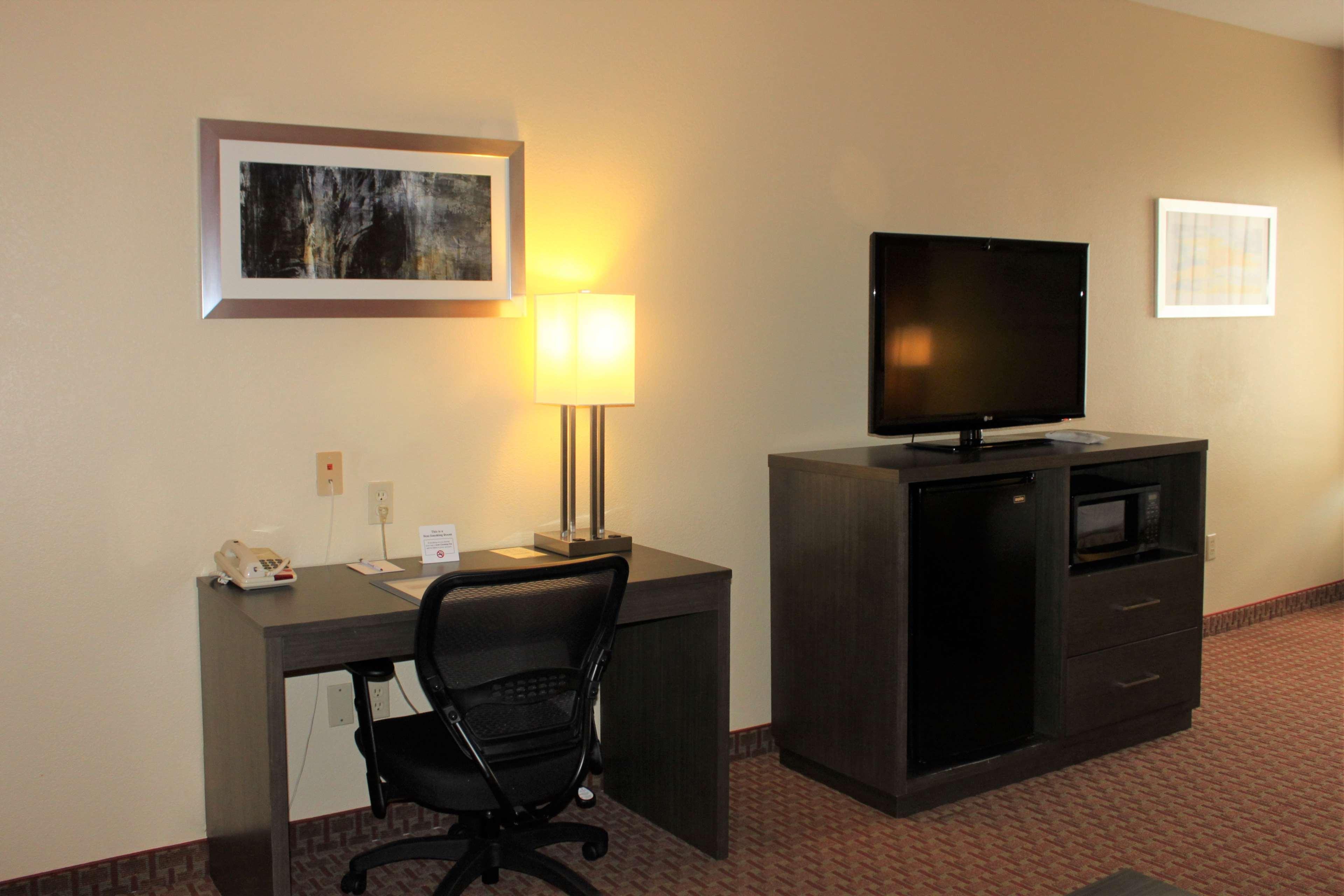 Best Western Plus North Houston Inn & Suites image 20