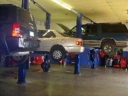 Mustang Auto Repair & Rv Storage image 7
