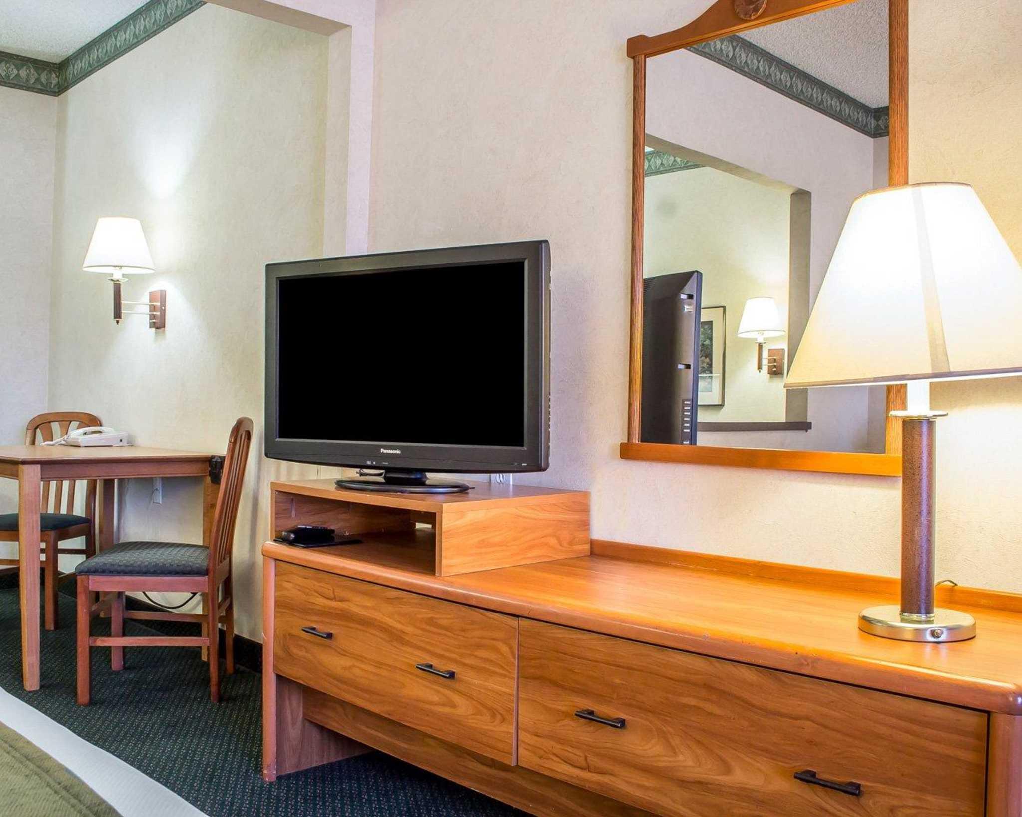 Comfort Suites Phoenix North image 7
