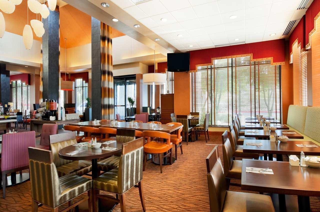 Hilton Garden Inn Scottsdale North/Perimeter Center image 9