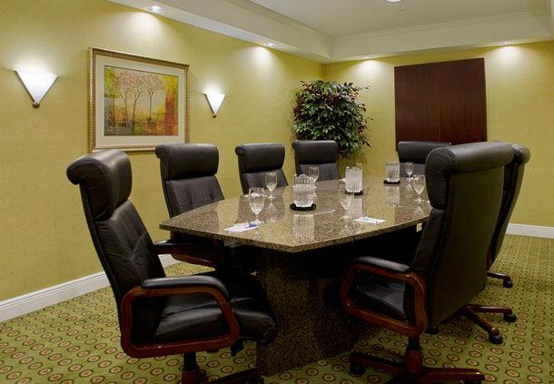 Fairfield Inn & Suites by Marriott Jacksonville Butler Boulevard image 9