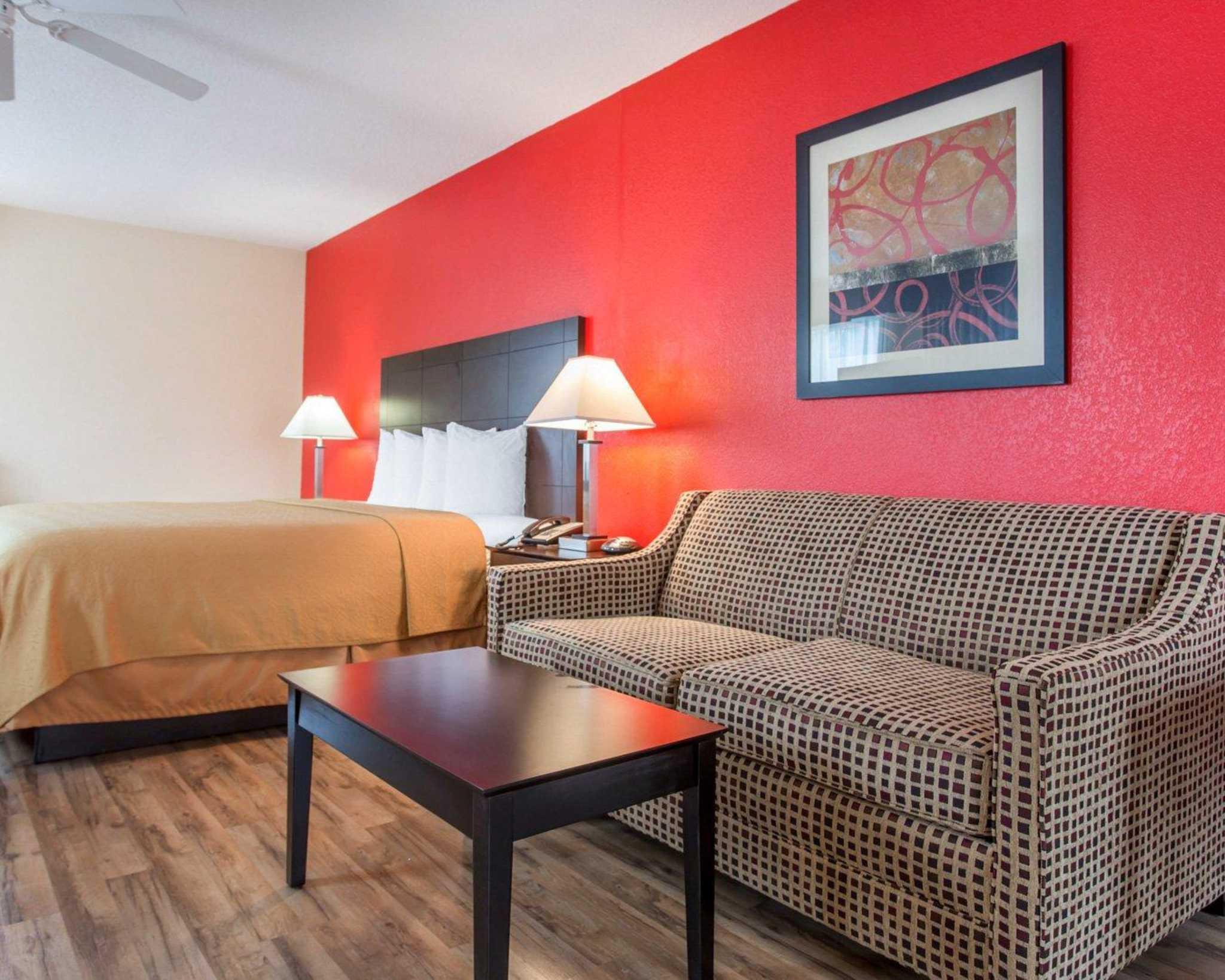 Quality Inn & Suites image 32