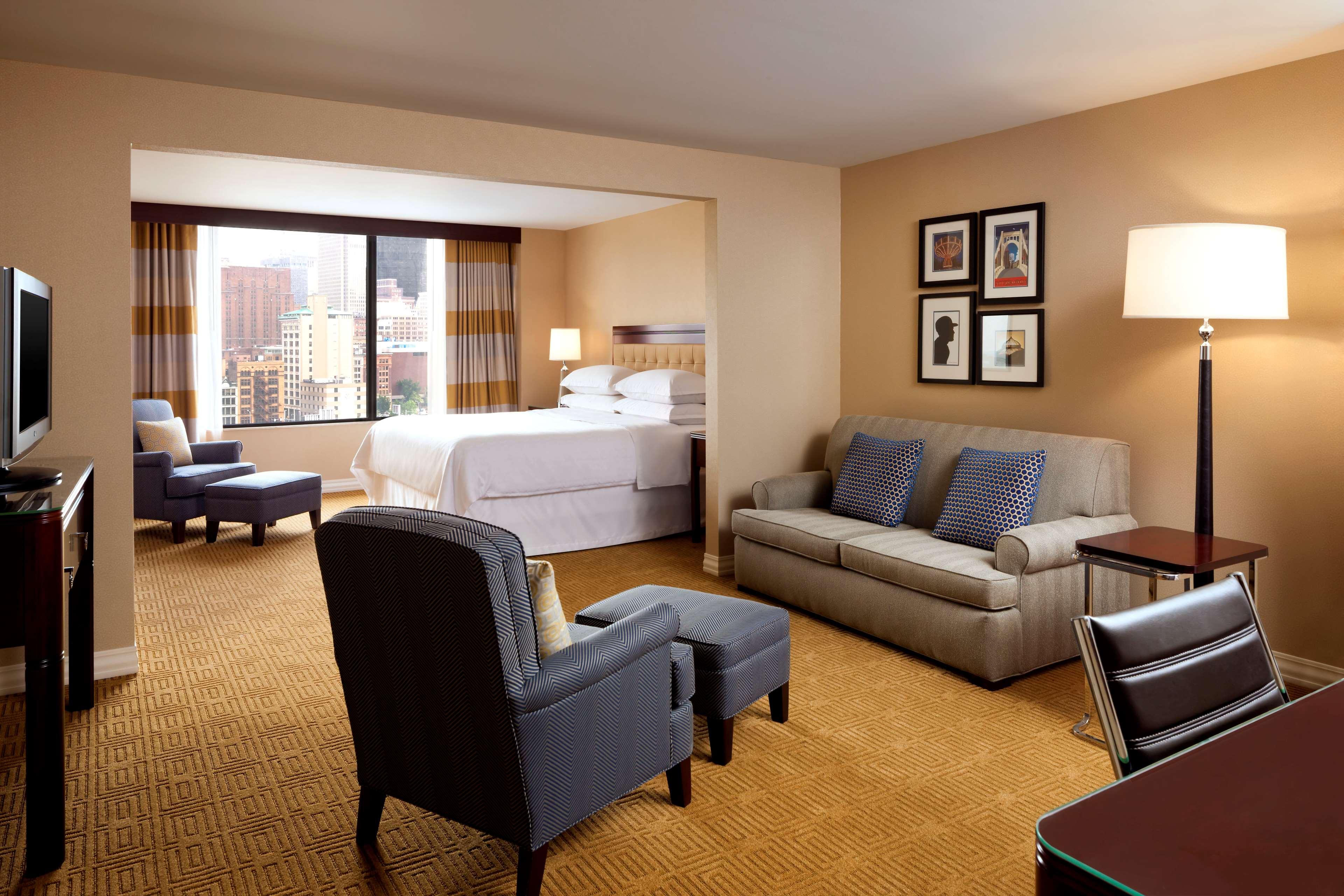 Sheraton Pittsburgh Hotel at Station Square image 11