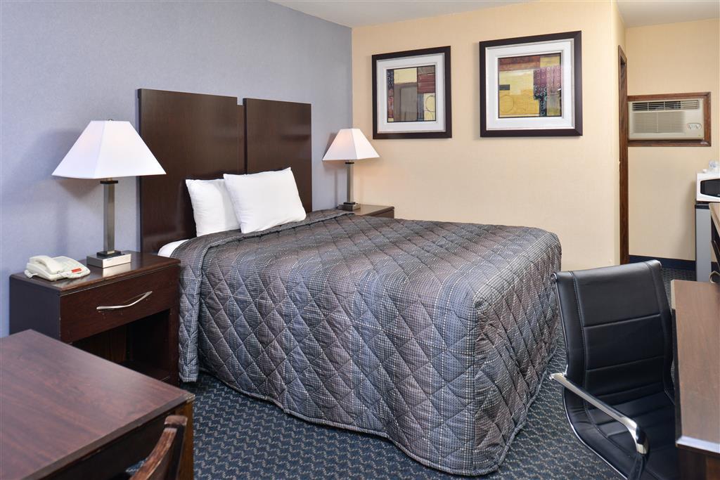 Americas Best Value Inn - Danbury image 9