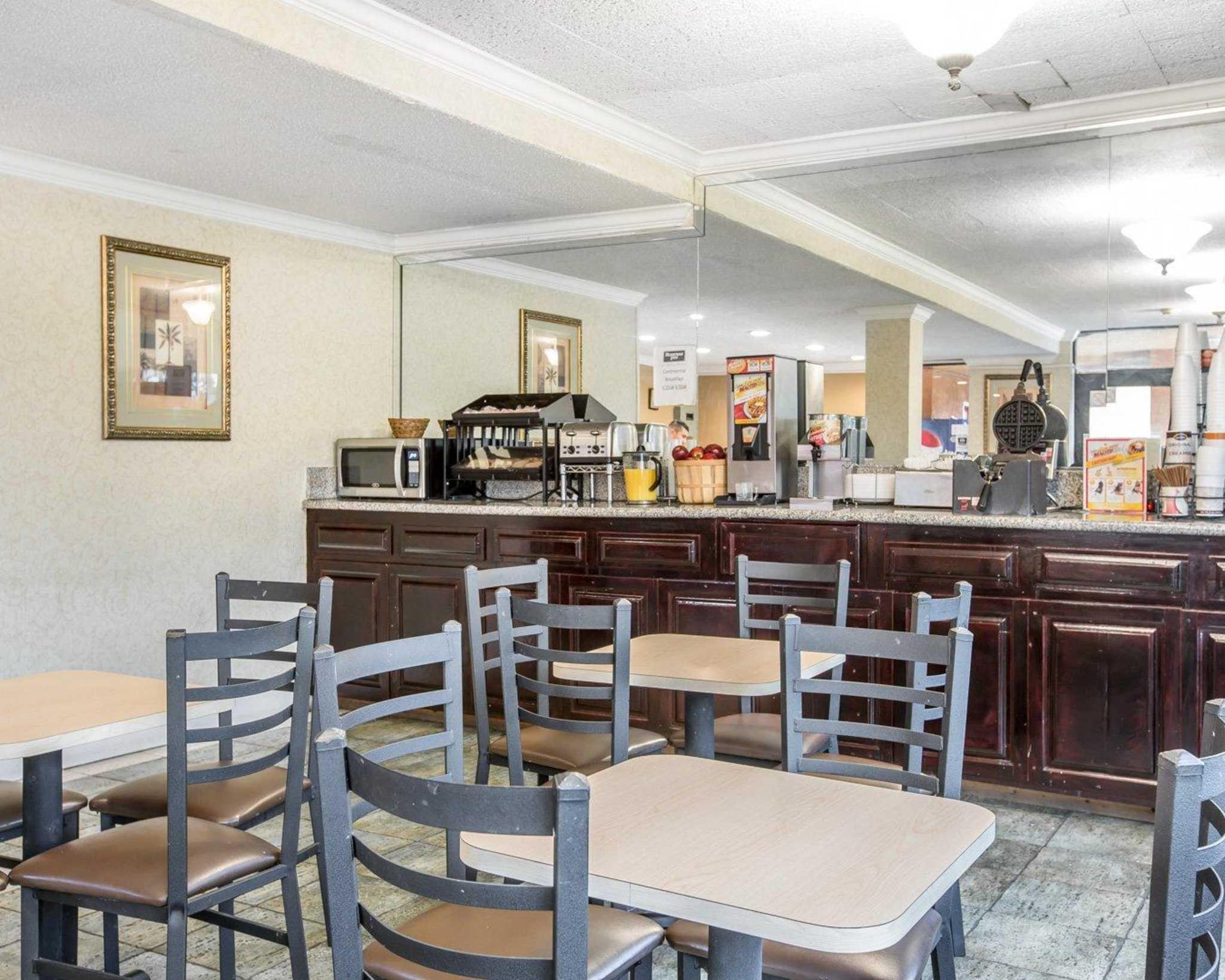 Rodeway Inn Near StubHub Center image 25