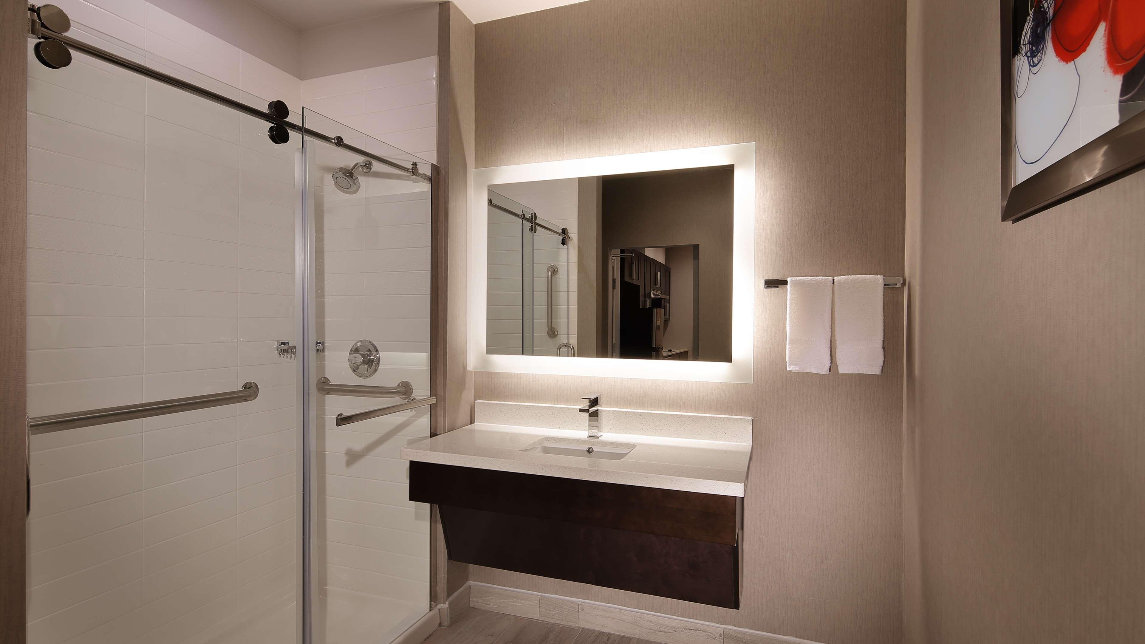 Best Western Plus Executive Residency Baytown image 35