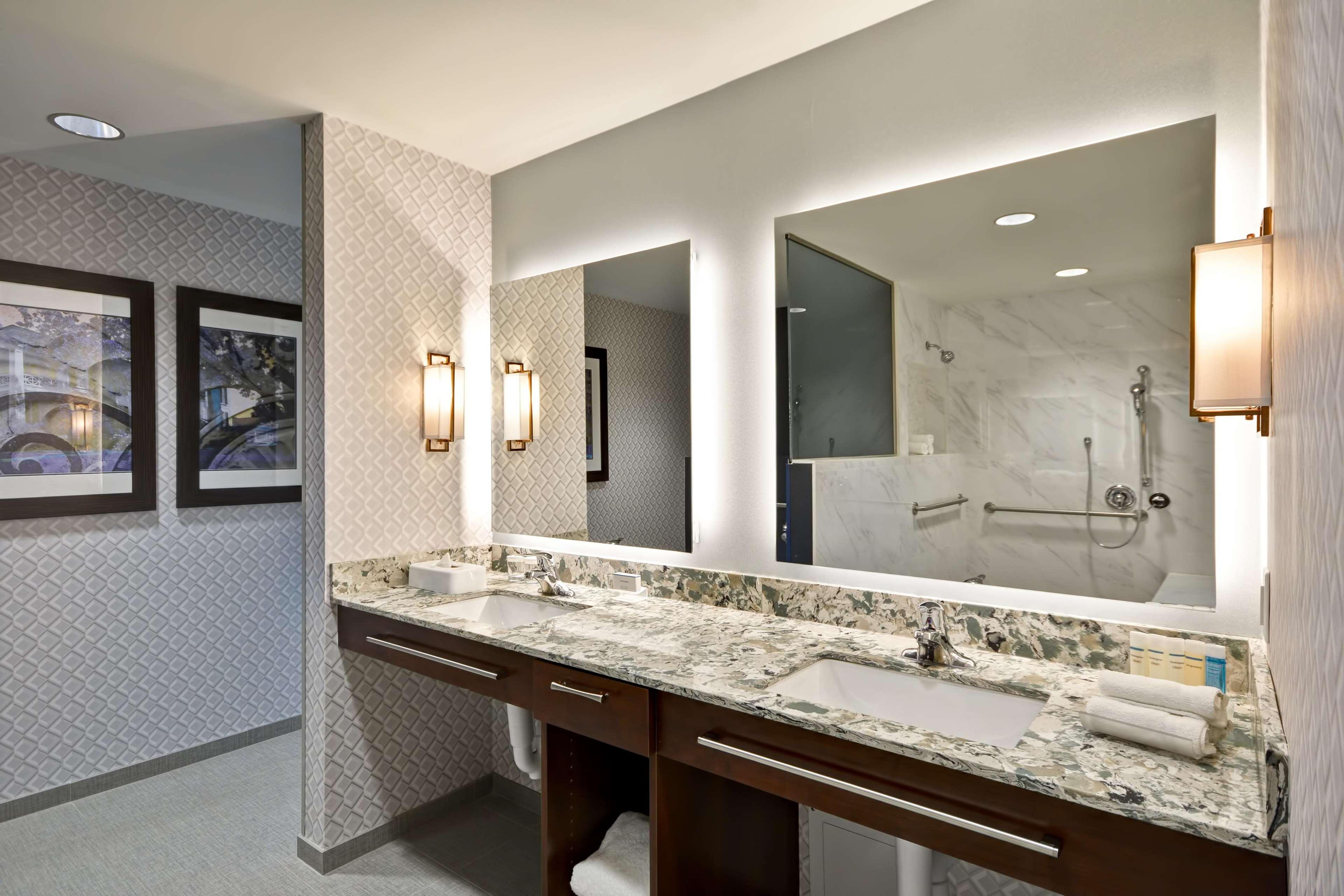Homewood Suites by Hilton Birmingham Downtown Near UAB image 1