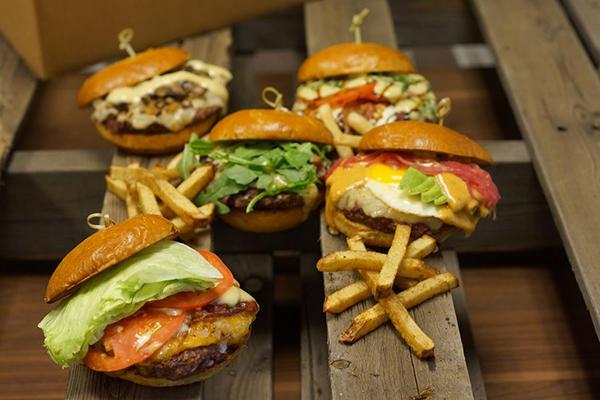 Aioli Gourmet Burgers image 2