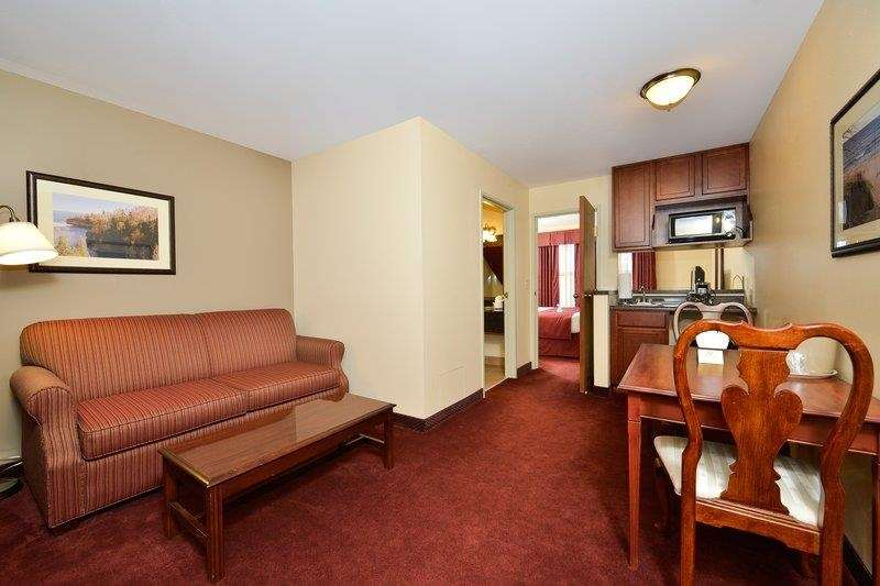 Best Western The Hotel Chequamegon image 17