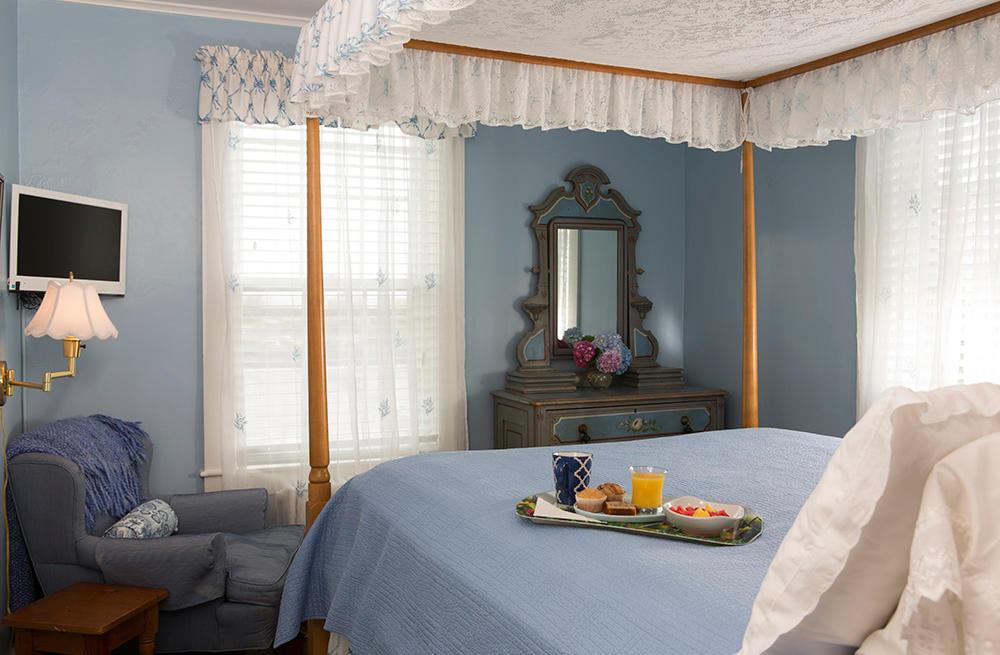 Periwinkle Inn image 7