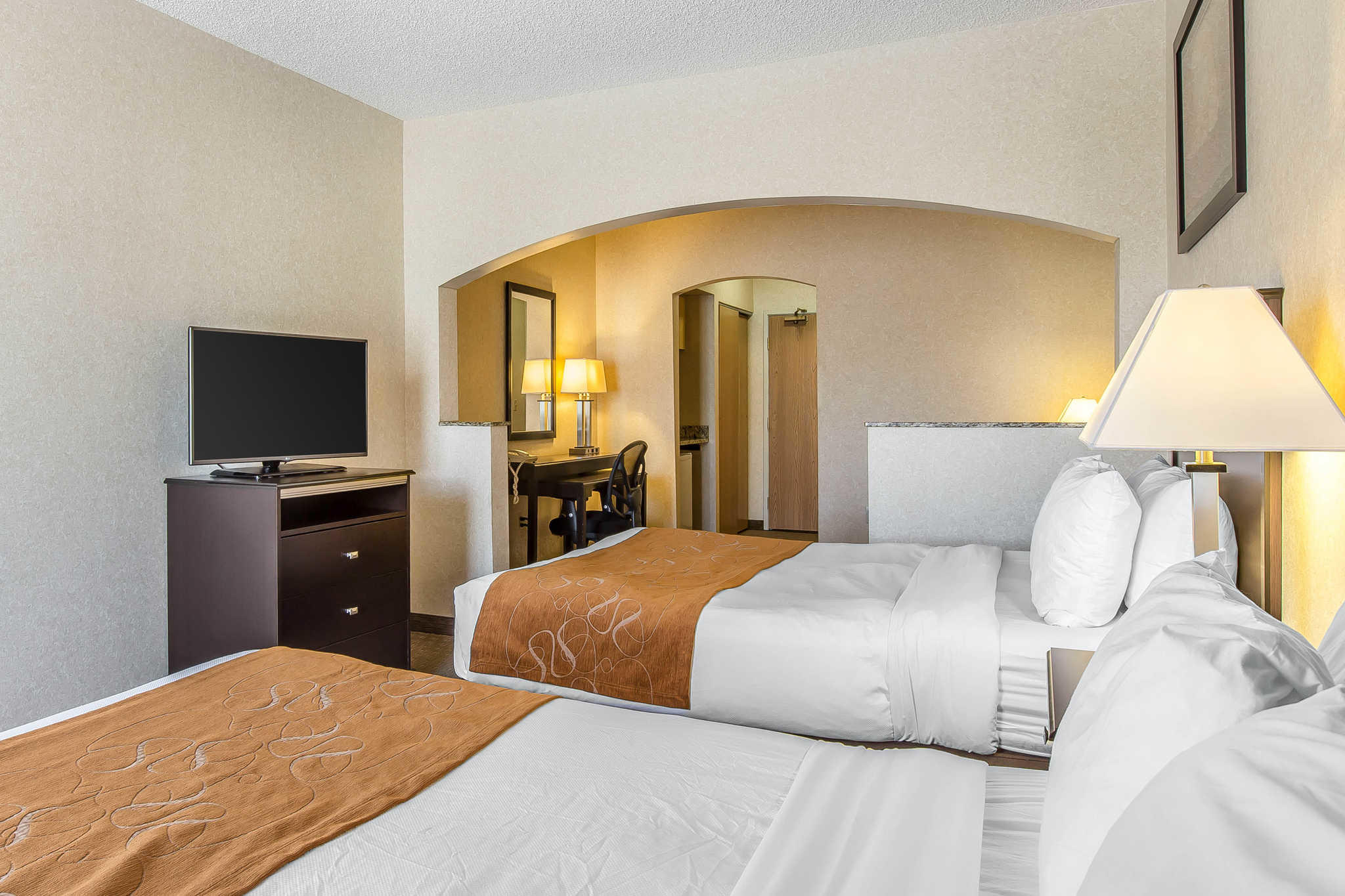 Comfort Suites Summit County image 14