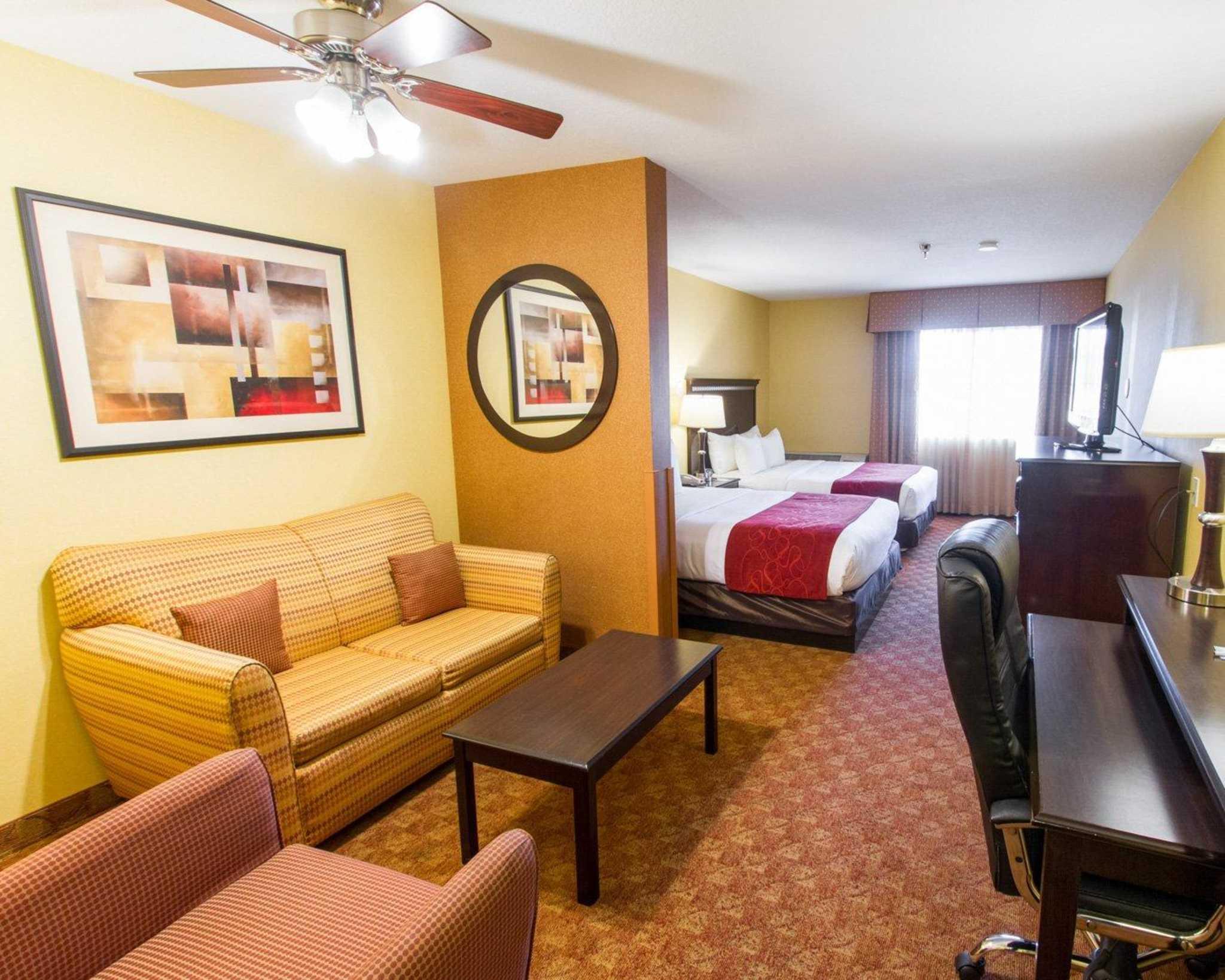 Comfort Suites Phoenix Airport image 19
