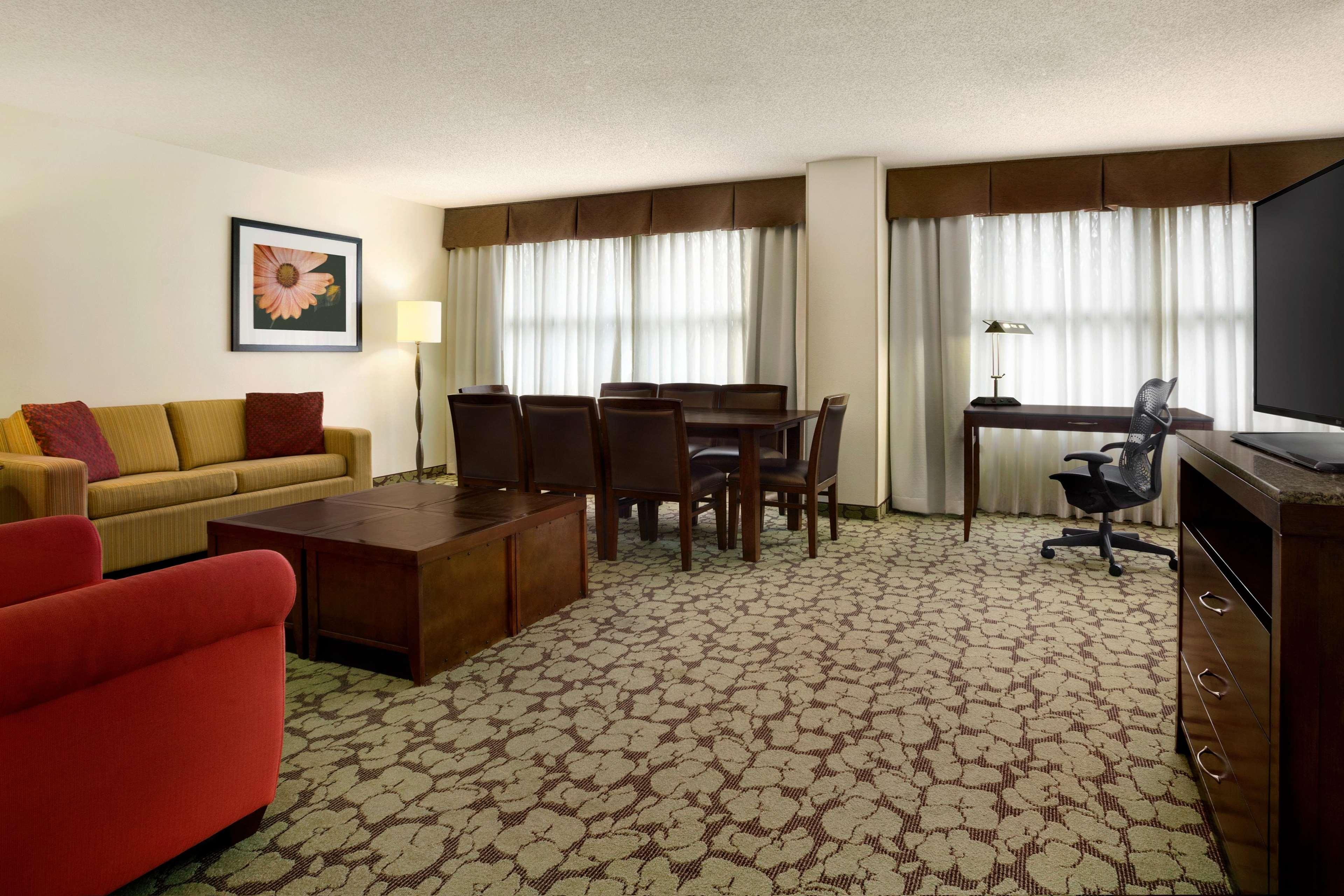 Hilton Garden Inn Atlanta Perimeter Center image 14