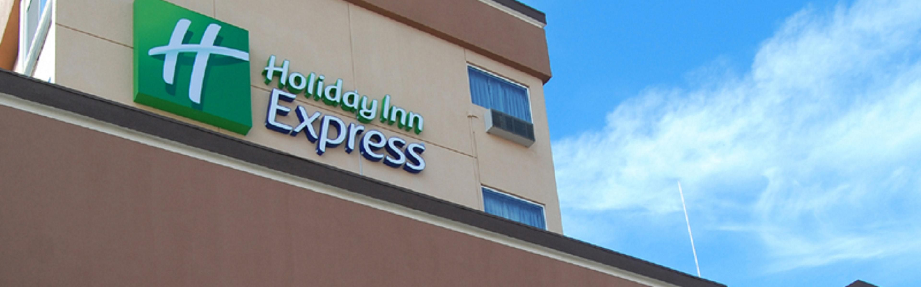 Holiday Inn Express & Suites Los Angeles Downtown West image 0
