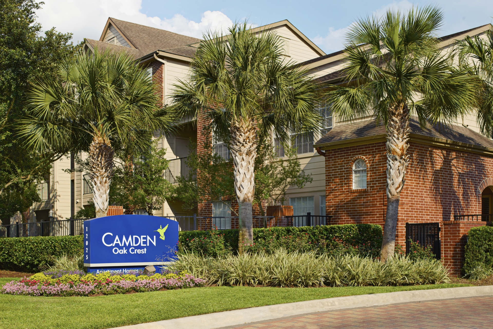 Camden Oak Crest Apartments image 0