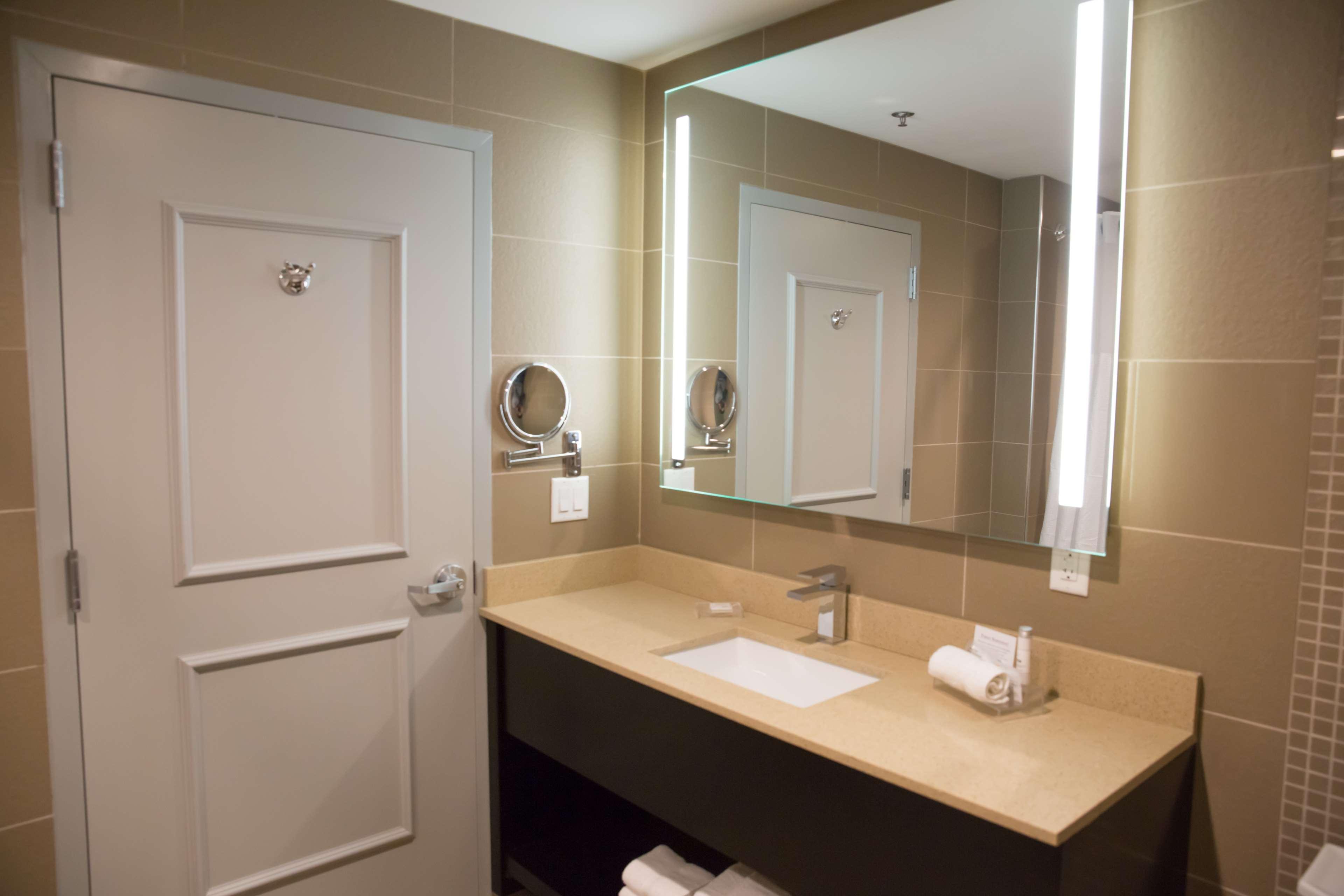 Best Western Premier NYC Gateway Hotel image 28