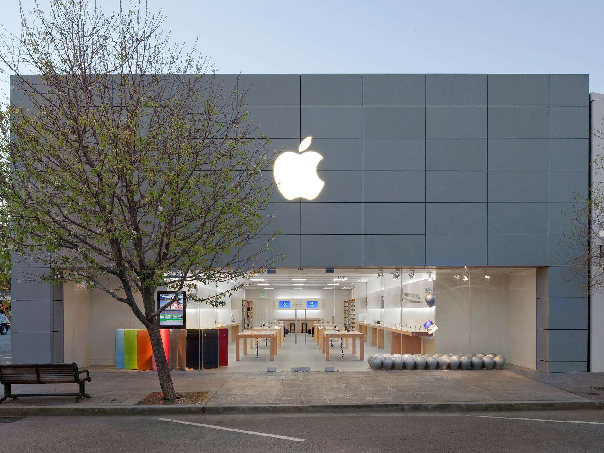 Apple Burlingame image 0