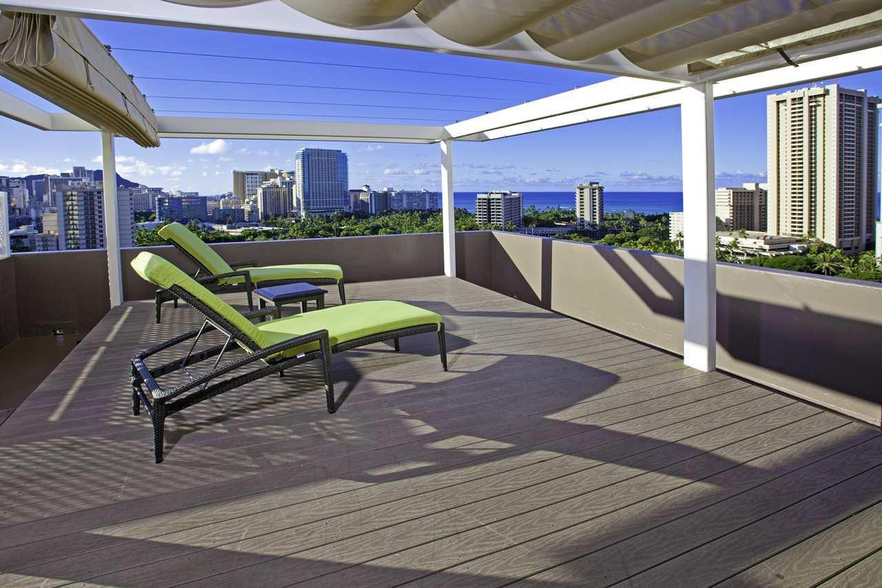 DoubleTree by Hilton Hotel Alana - Waikiki Beach image 0