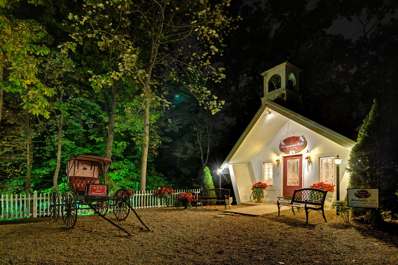Wedding Chapel at Honeymoon Hills, Gatlinburg Wedding Chapel image 27