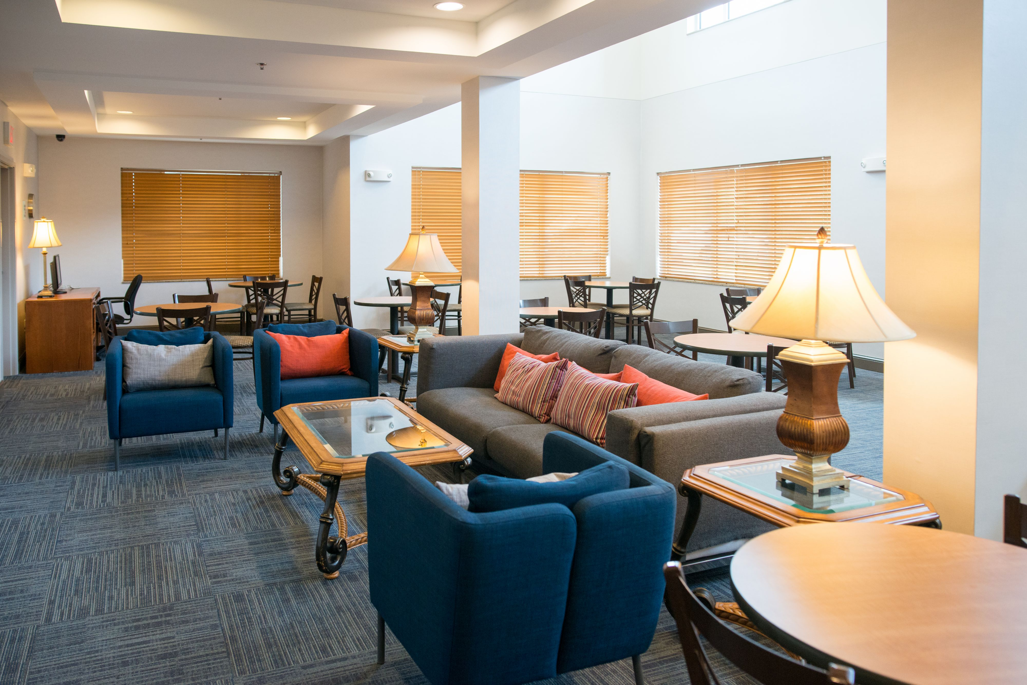 Holiday Inn Express & Suites Chanhassen image 6