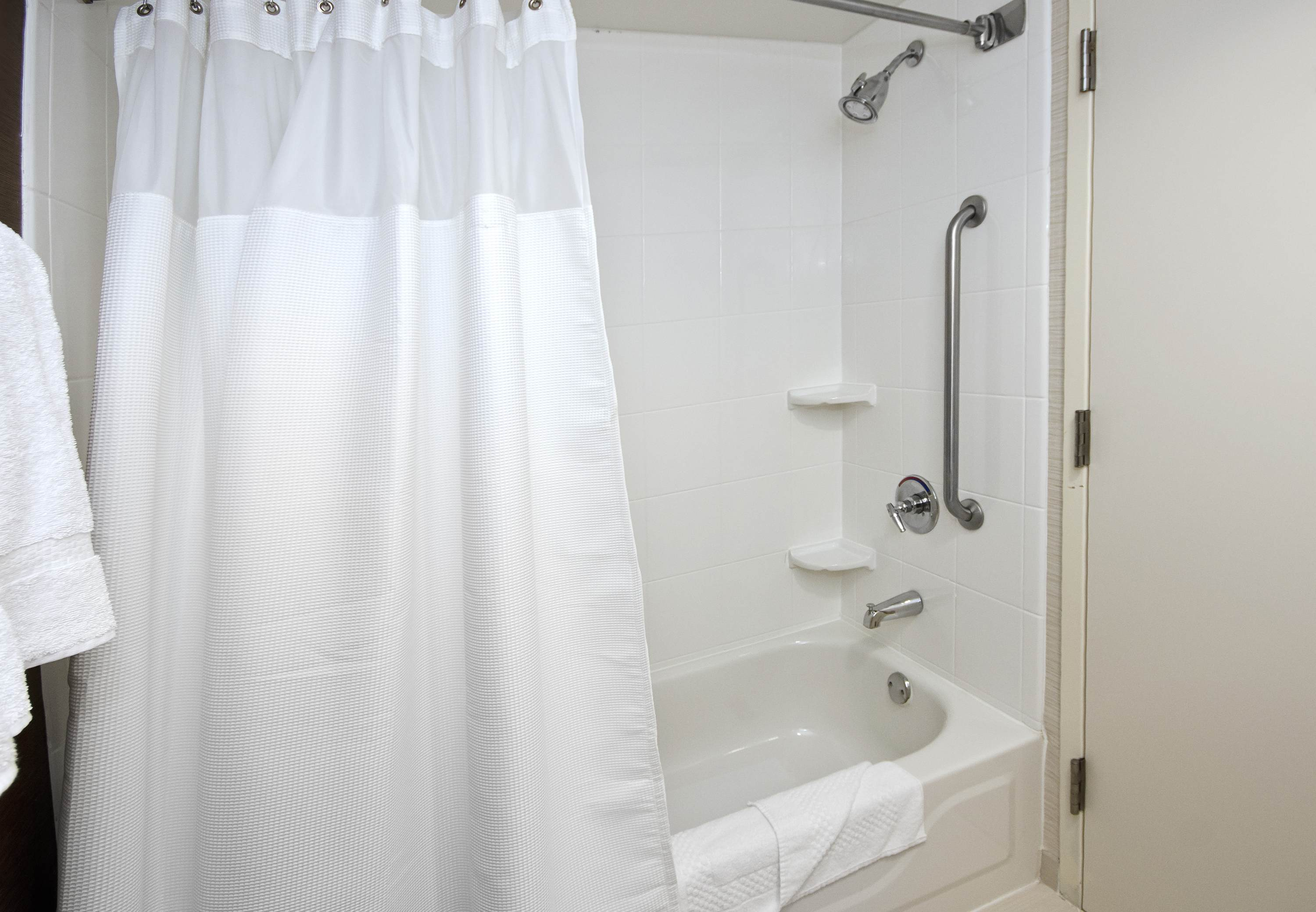 Fairfield Inn & Suites by Marriott Raleigh-Durham Airport/Research Triangle Park image 6