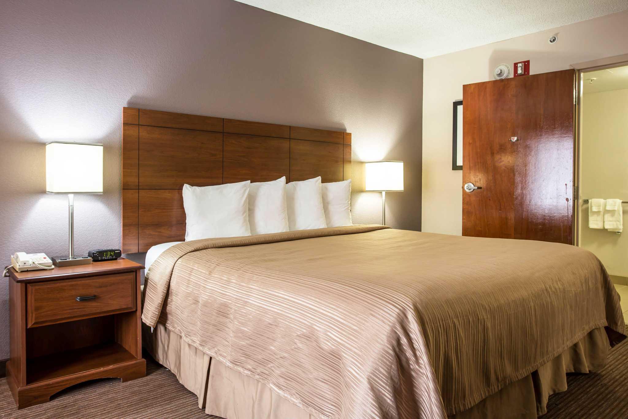 Quality Inn & Suites Matthews - Charlotte image 6