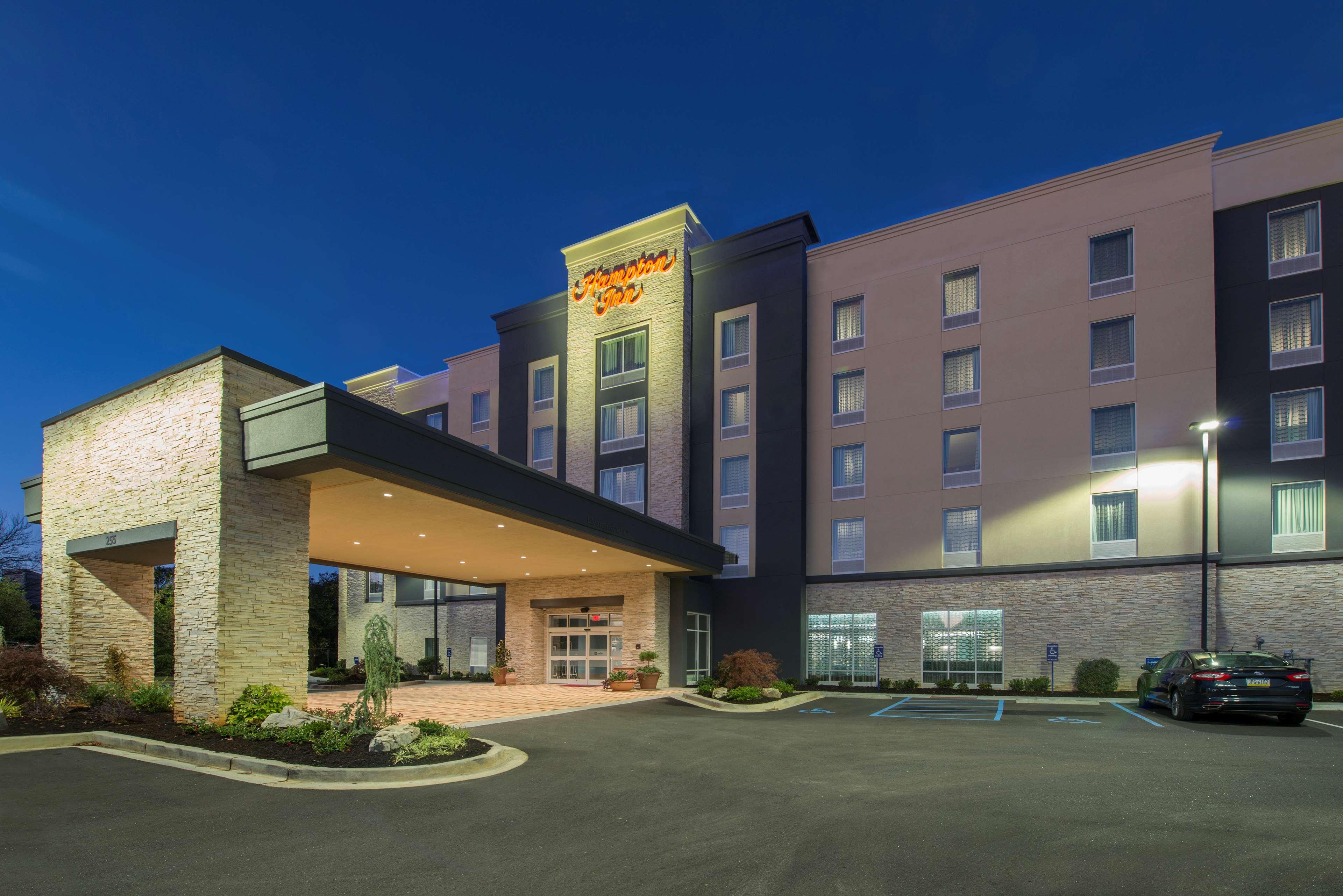 Hampton Inn Greenville/I-385 Haywood Mall image 3