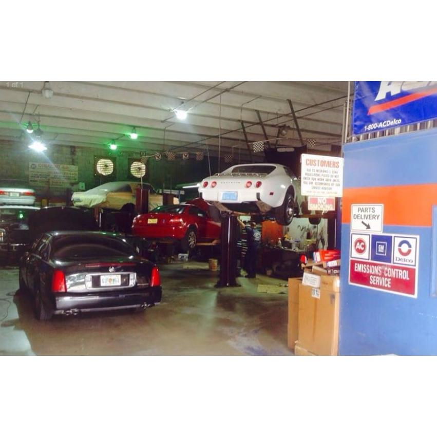 Ginacho's Automobile Svc