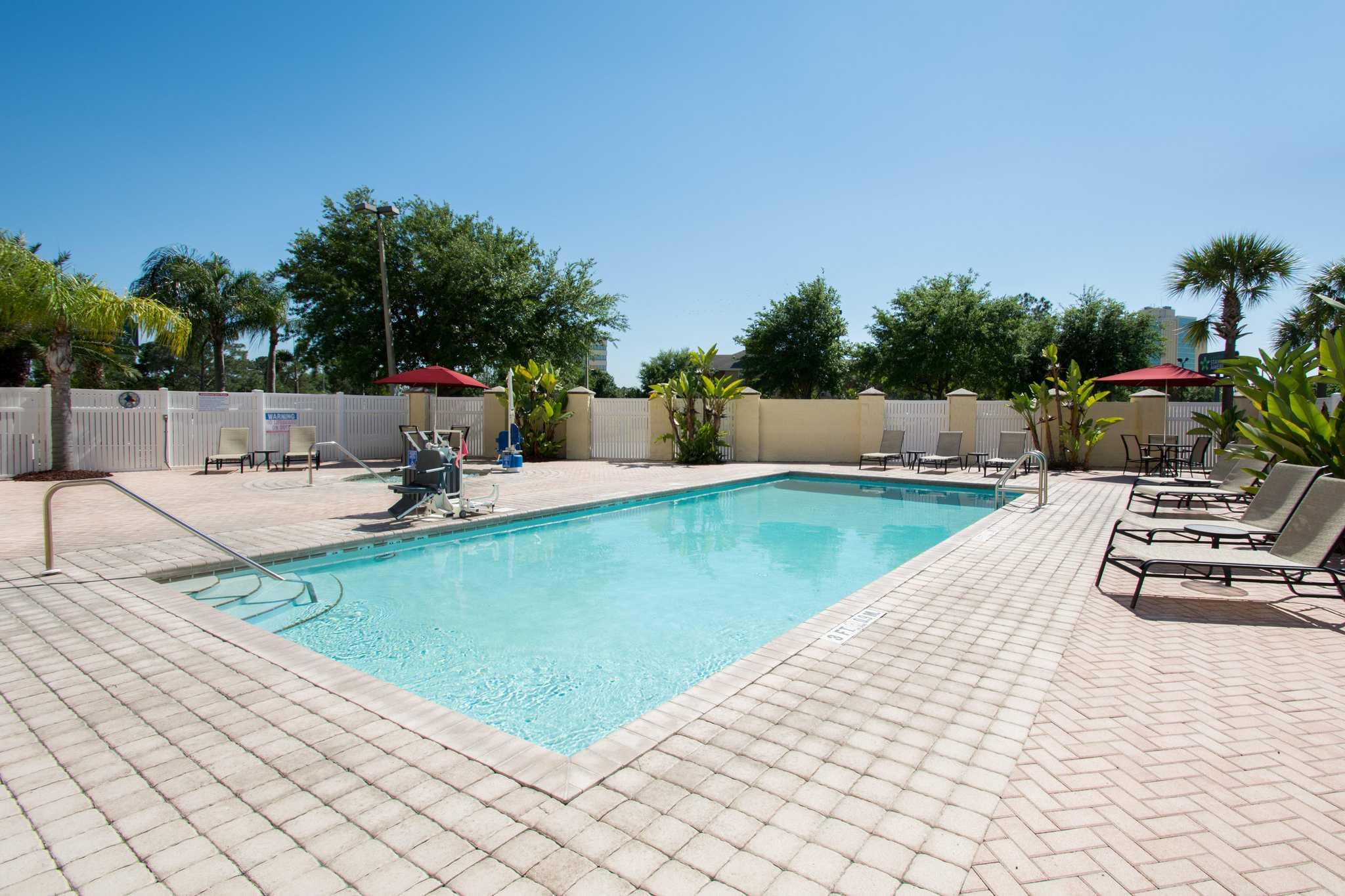 Comfort Suites Near Universal Orlando Resort image 24