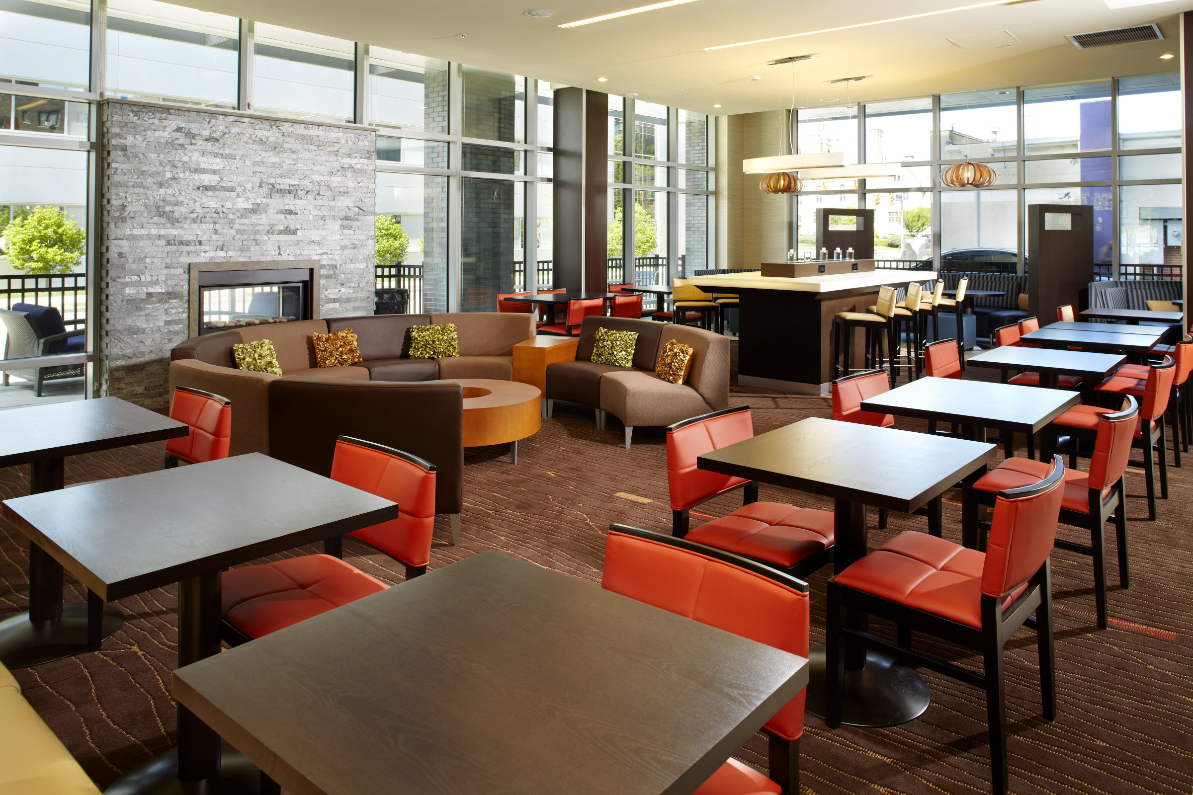 Courtyard by Marriott Cleveland University Circle image 3