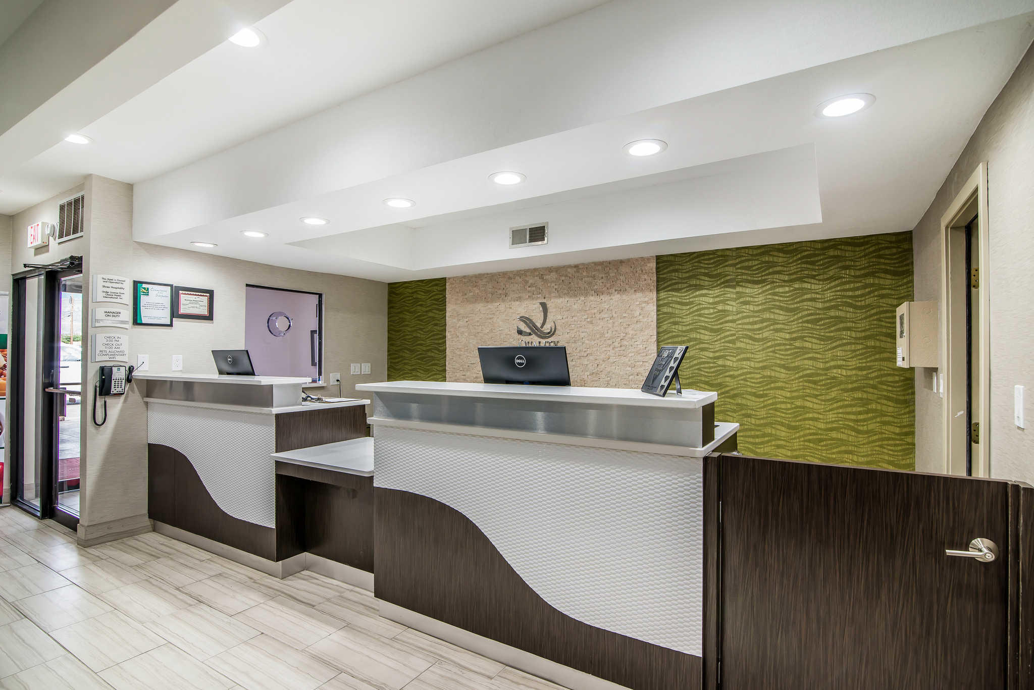 Quality Inn & Suites Near White Sands National Monument image 4