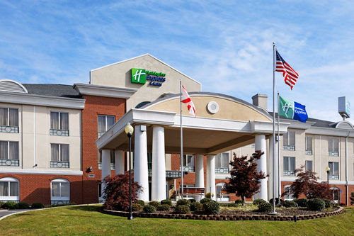 Holiday Inn Express & Suites Cullman image 0