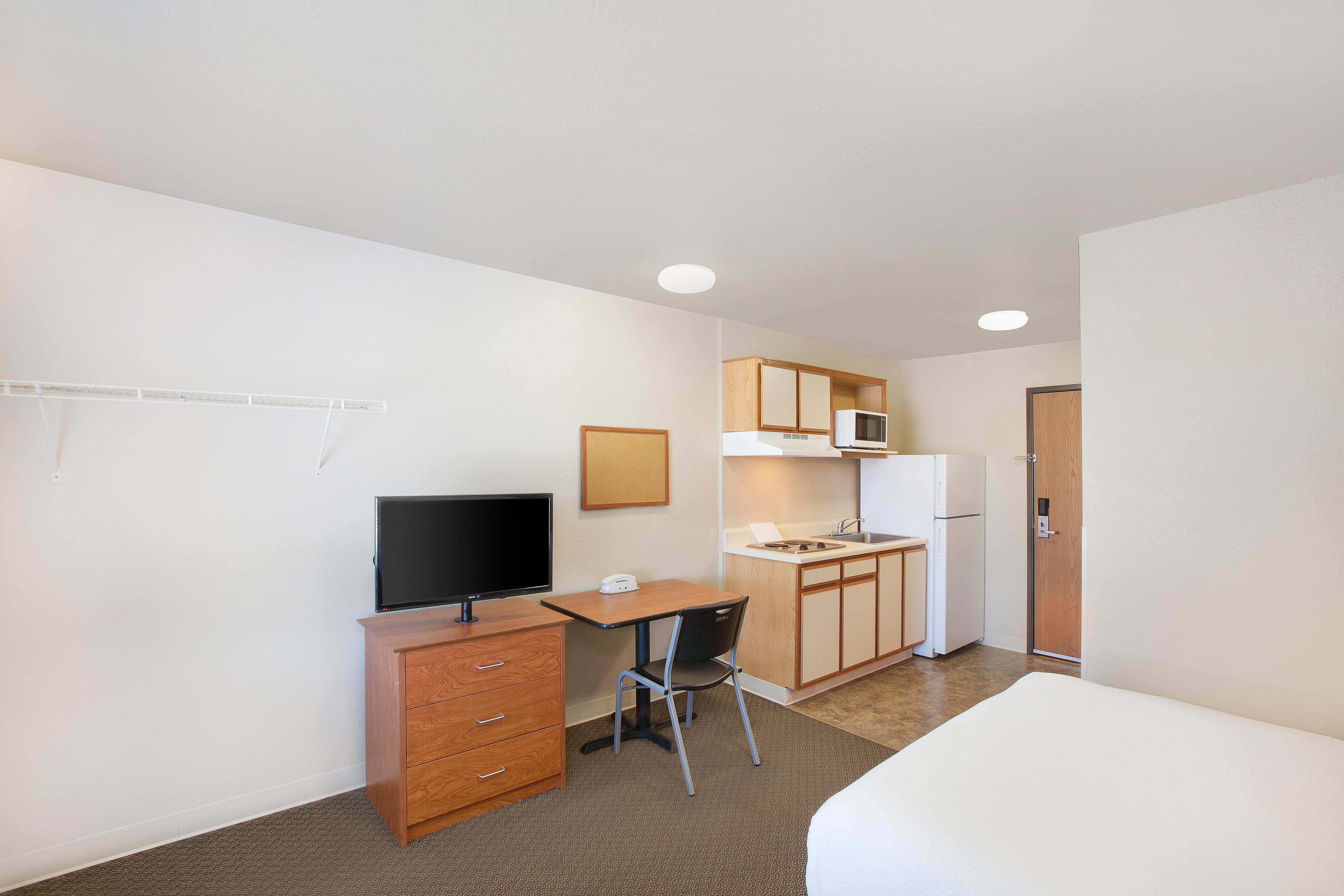 WoodSpring Suites Jacksonville Southeast image 6