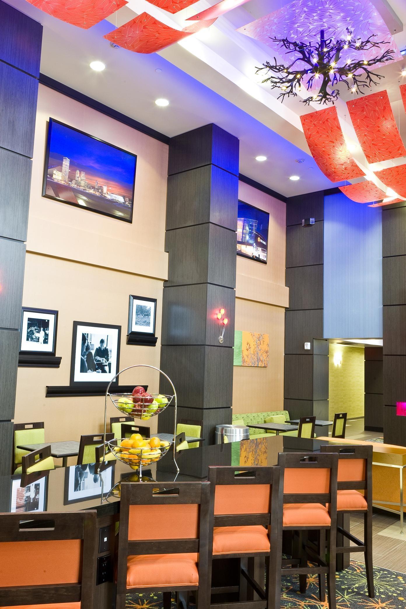 Hampton Inn & Suites Tulsa/Central image 15