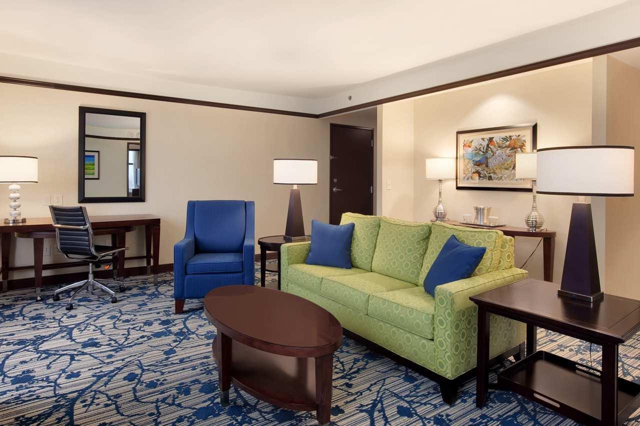 Hilton Asheville Biltmore Park image 2