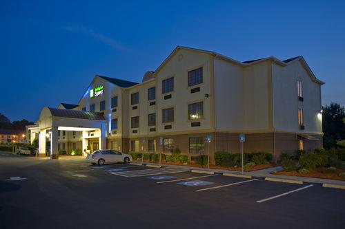 Holiday Inn Express & Suites Acworth - Kennesaw Northwest image 2