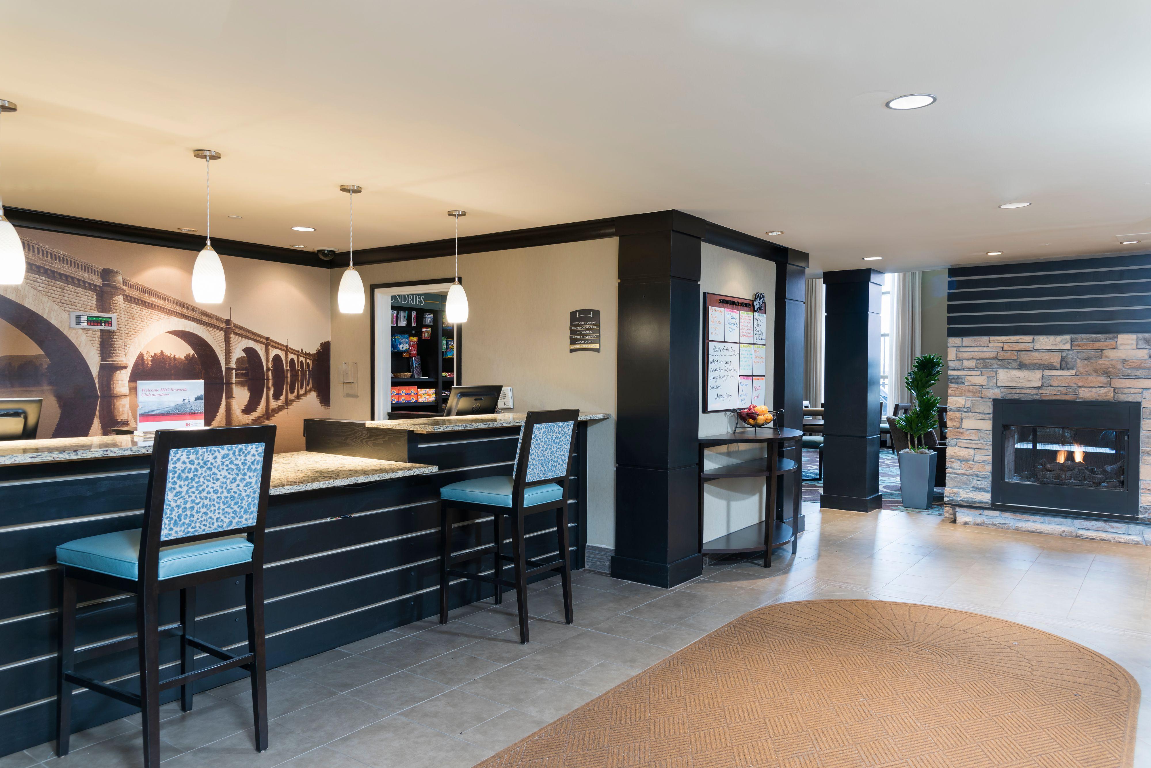 Staybridge Suites Chicago-Oakbrook Terrace image 4