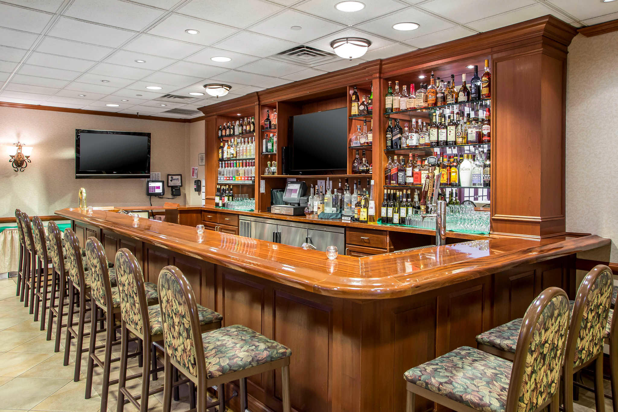 clarion hotel conference center 815 route 37 west. Black Bedroom Furniture Sets. Home Design Ideas