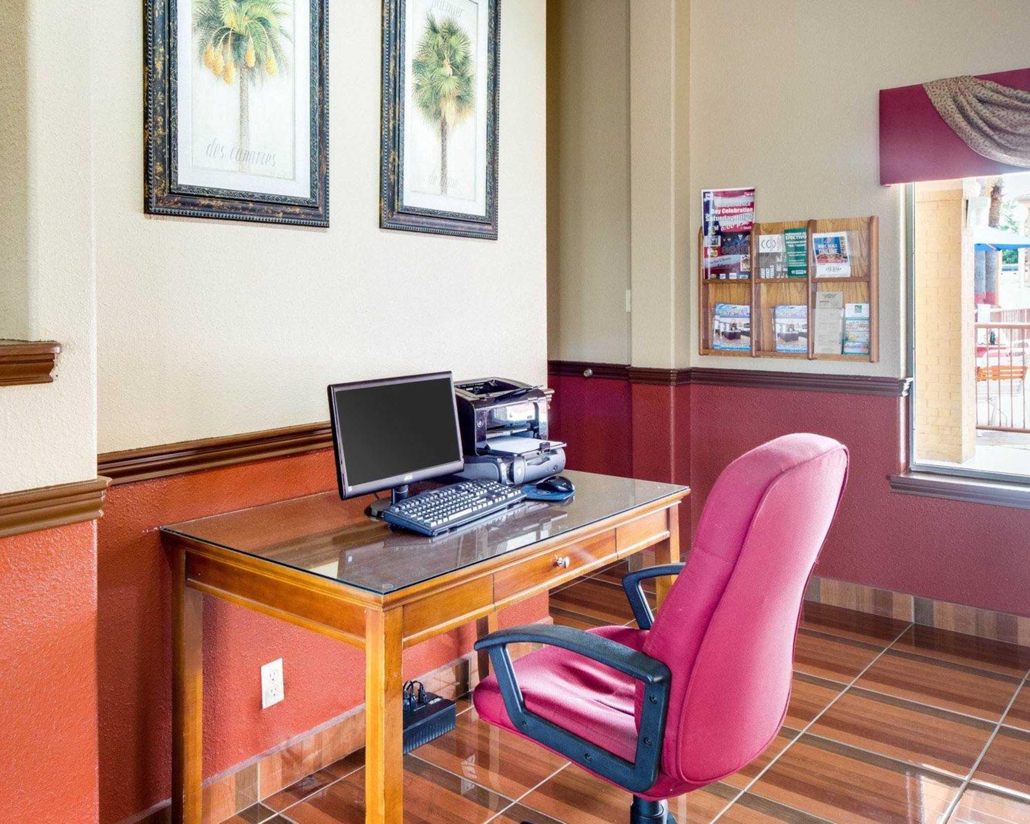 Quality Inn & Suites Eagle Pass image 23