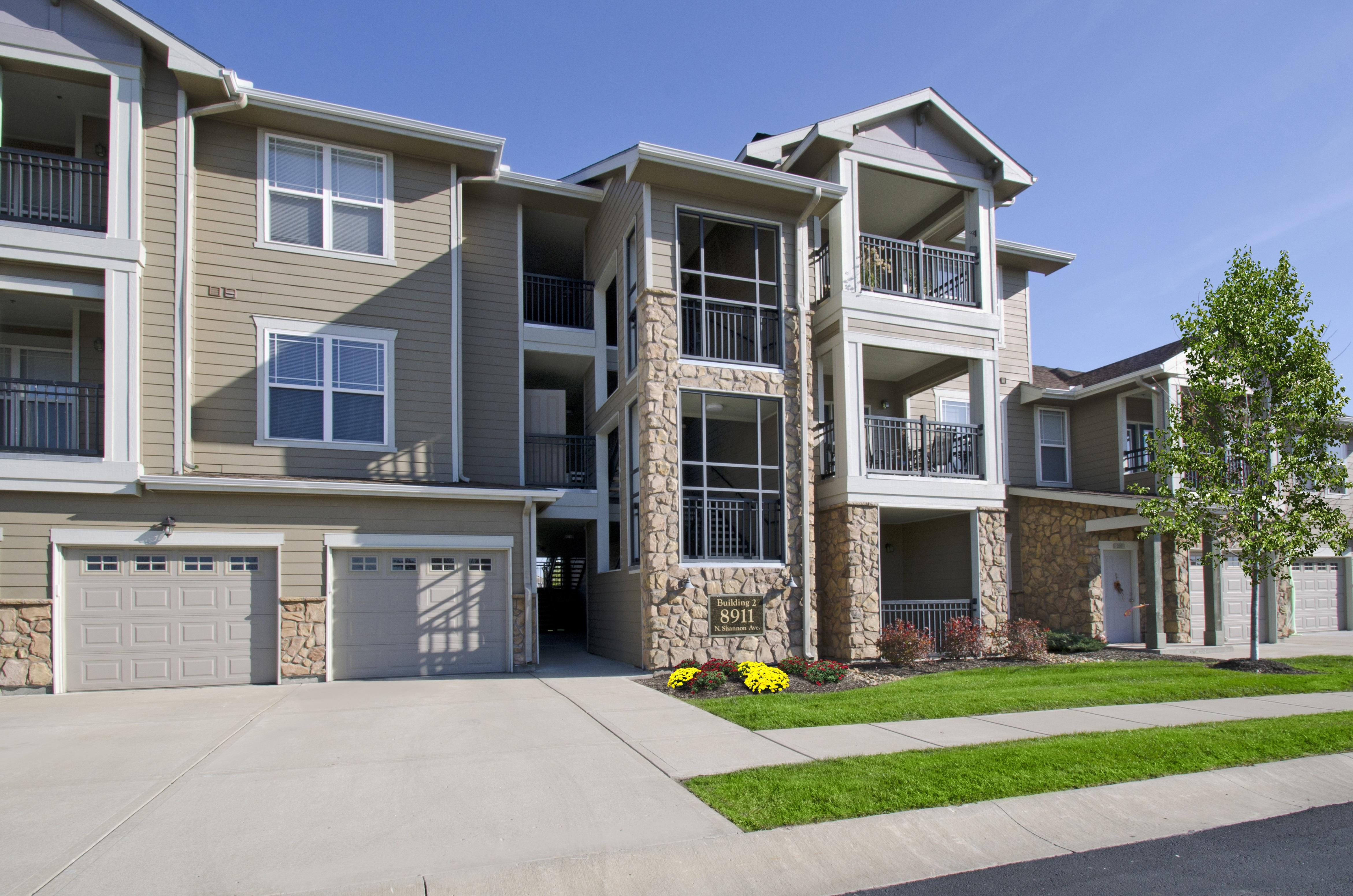 Riverstone Apartments image 16