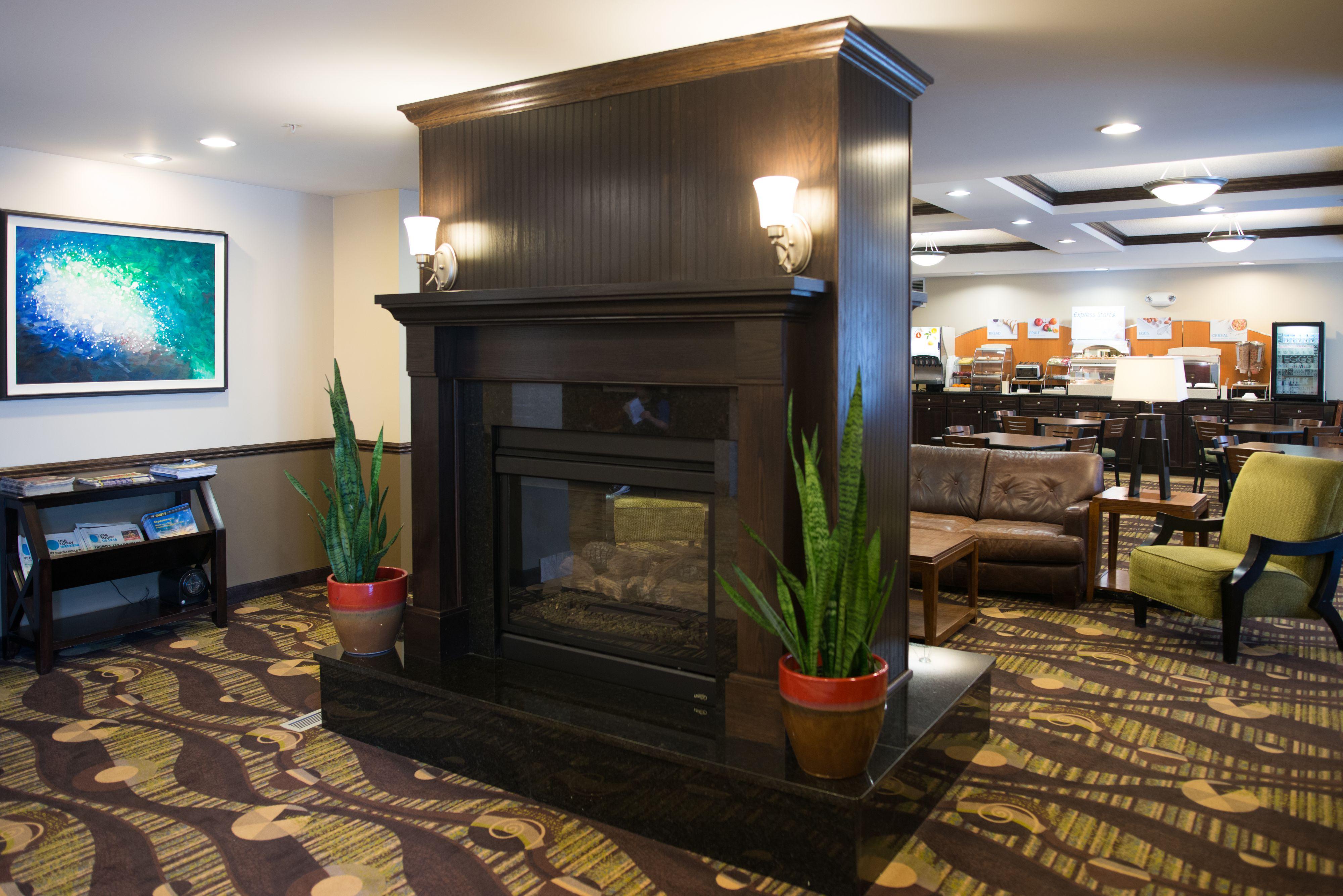 Holiday Inn Express & Suites Northwood image 8