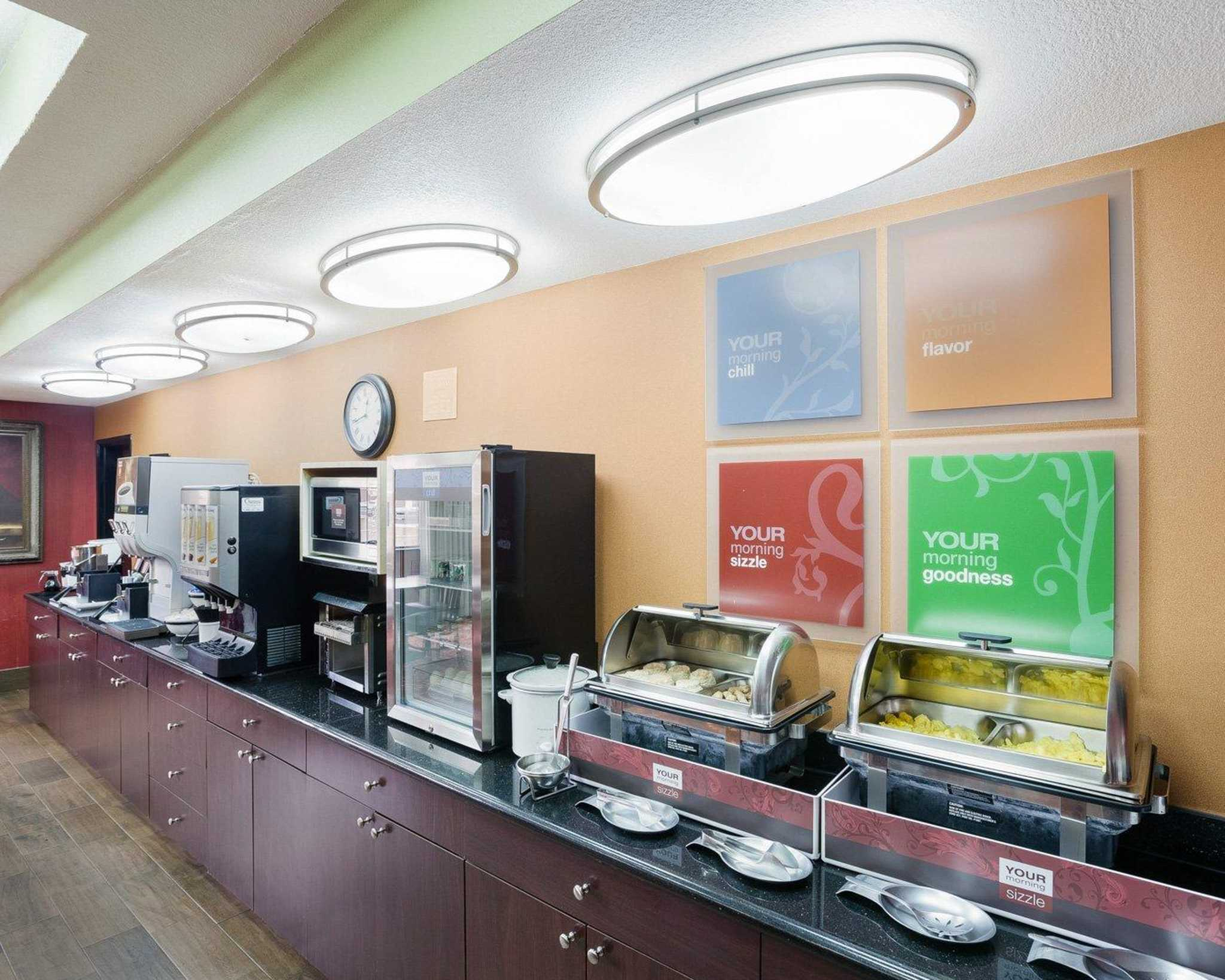 Comfort Inn & Suites Near Medical Center image 13
