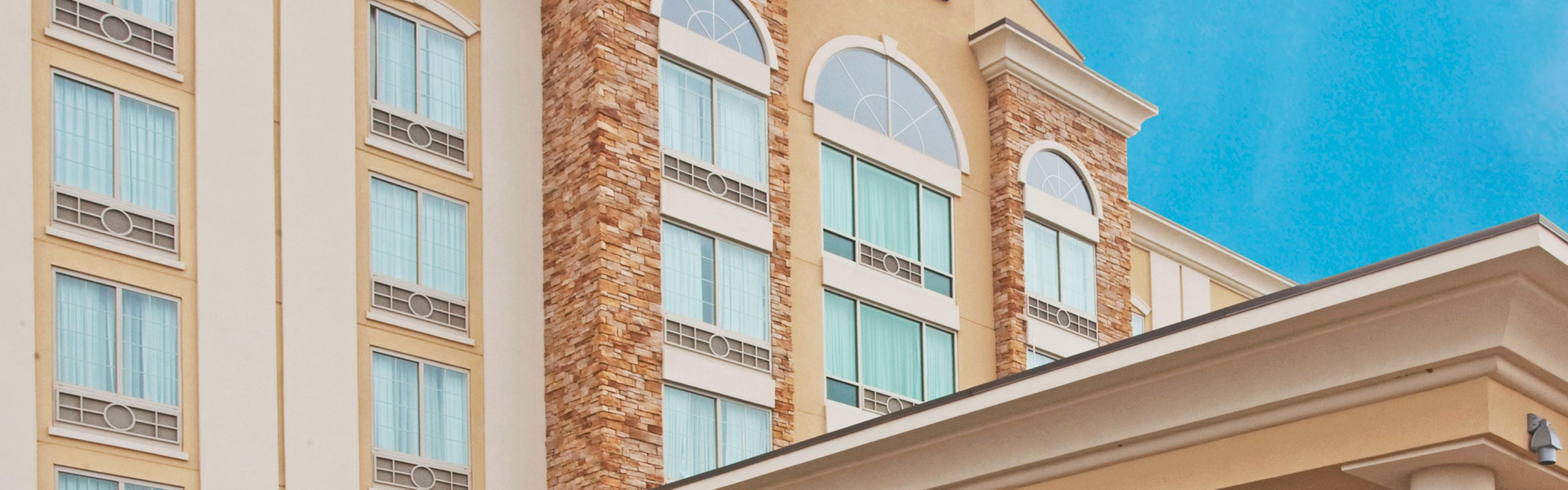 Holiday Inn Express & Suites Columbus At Northlake image 0